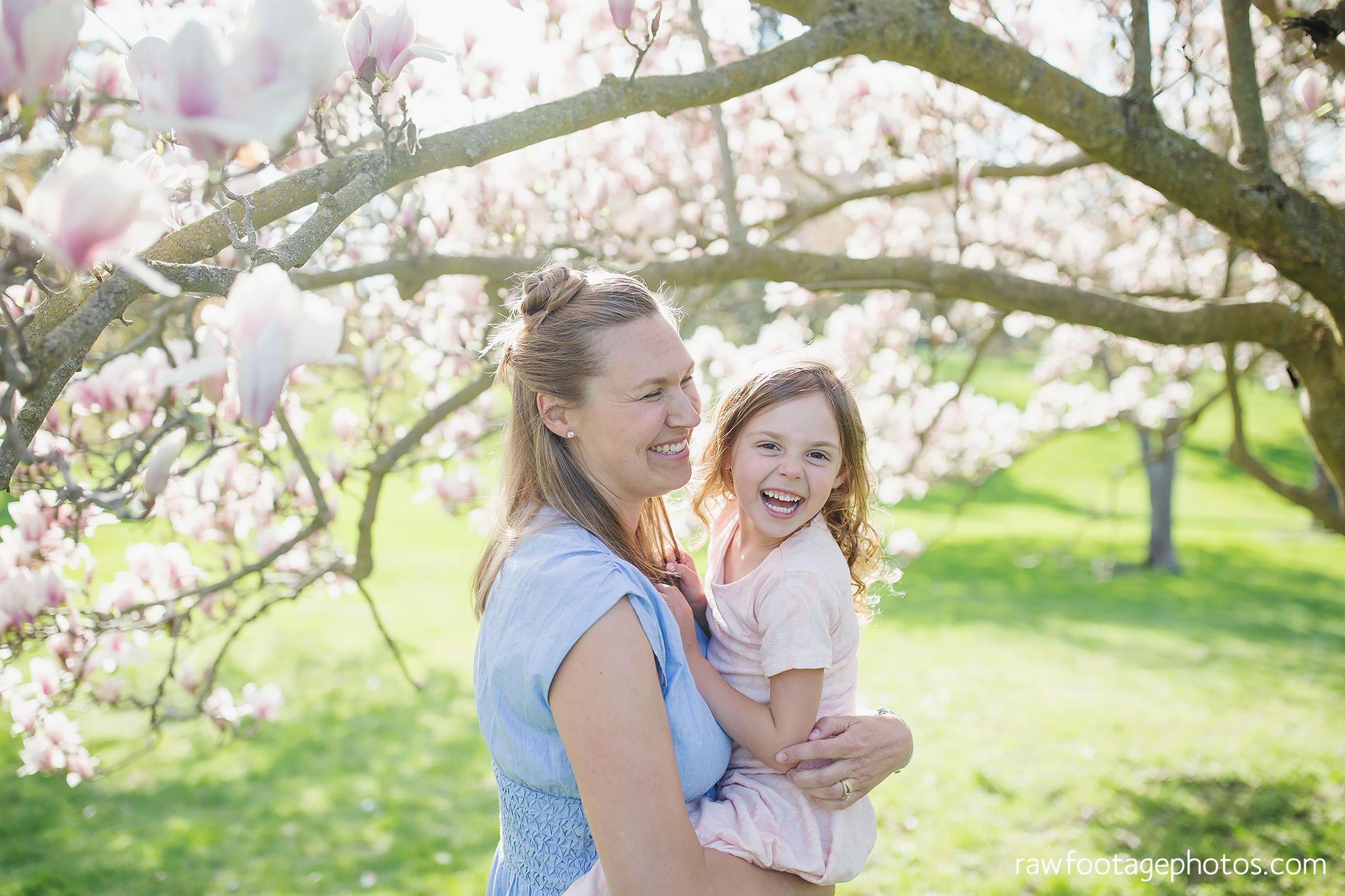 london_ontario_family_photographer-raw_footage_photography-spring_blossom_mini_sessions-magnolia-springbank_park018.jpg