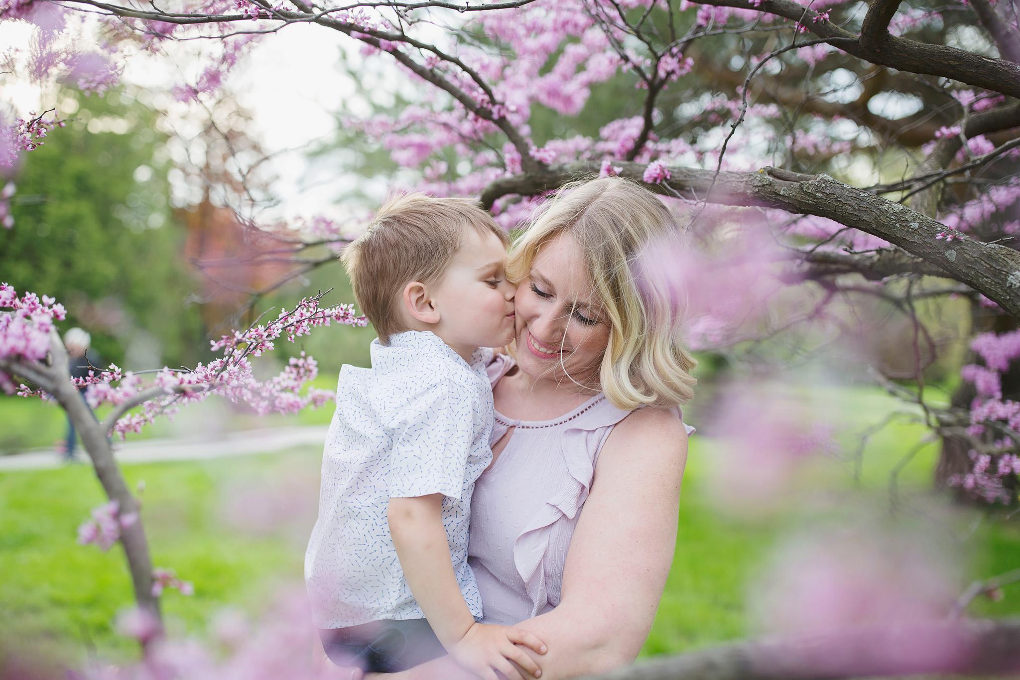 london_ontario_family_photographer-raw_footage_photography-spring_blossom_mini_sessions-magnolia-springbank_park027.jpg