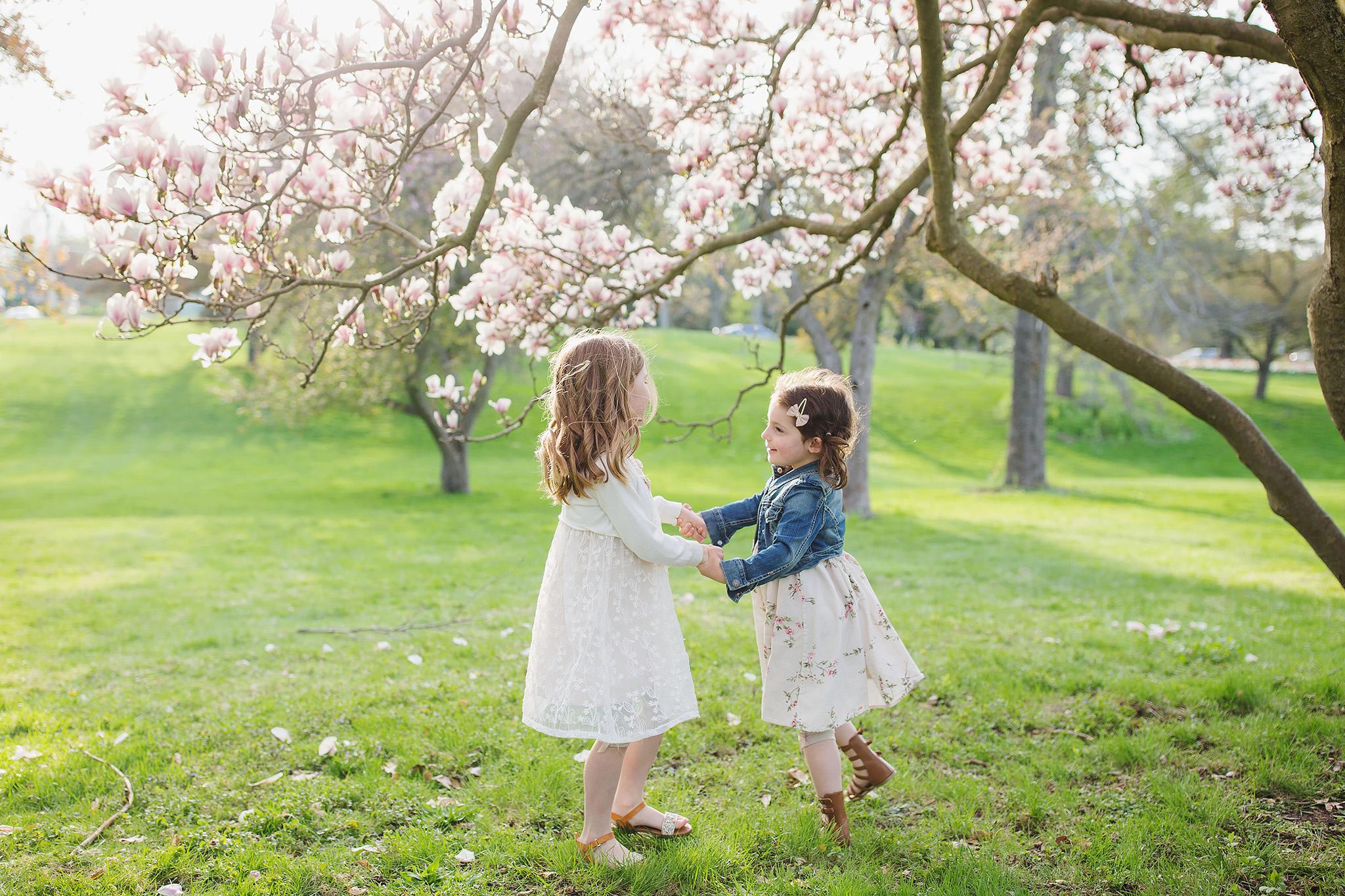 london_ontario_family_photographer-raw_footage_photography-spring_blossom_mini_sessions-magnolia-springbank_park033.jpg