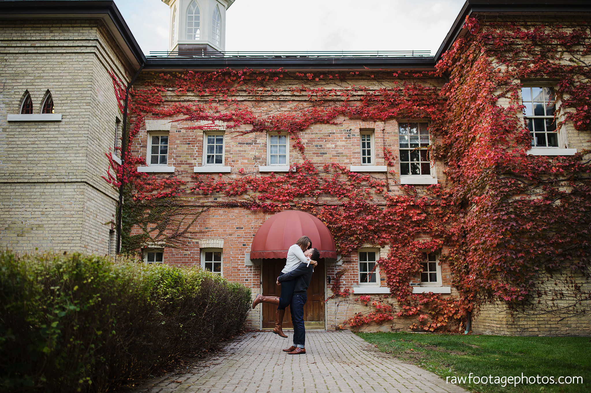 london_ontario_wedding_photographer-downtown_engagement_session-raw_footage_photography033.jpg