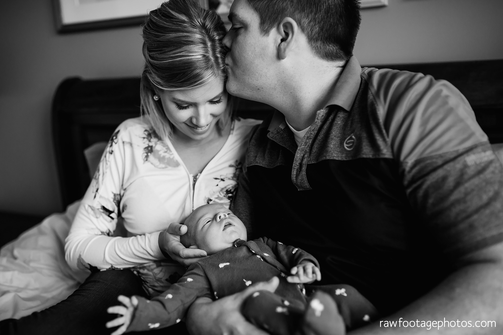 london_ontario_newborn_photographer-newborn_lifestyle_session-in_home_newborn_photos-raw_footage_photography008.jpg