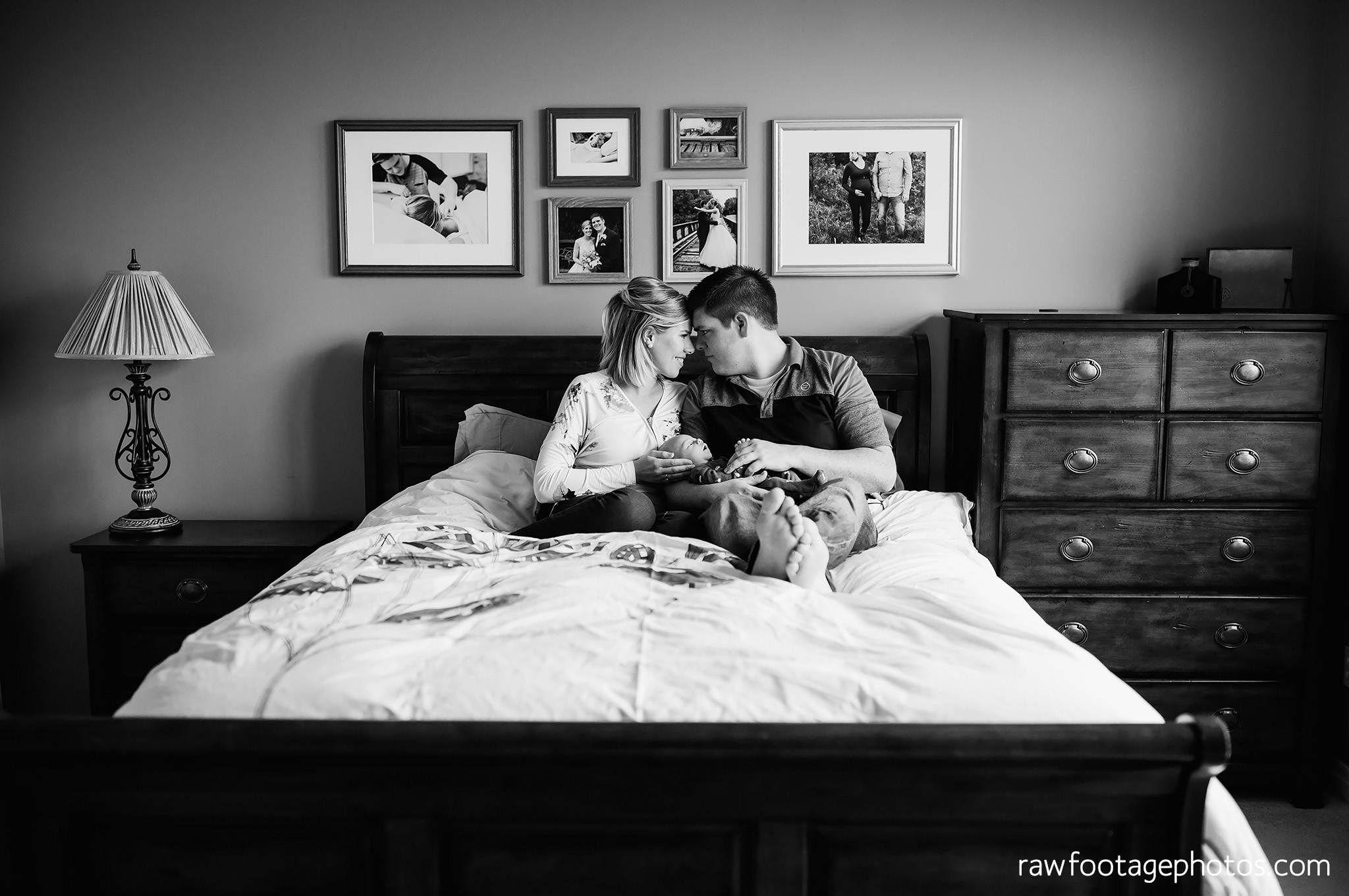 london_ontario_newborn_photographer-newborn_lifestyle_session-in_home_newborn_photos-raw_footage_photography010.jpg