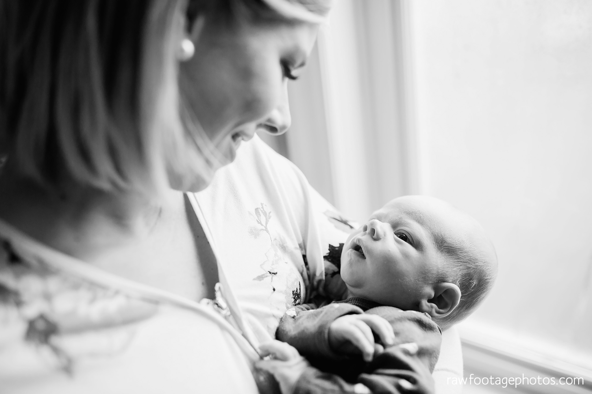london_ontario_newborn_photographer-newborn_lifestyle_session-in_home_newborn_photos-raw_footage_photography016.jpg