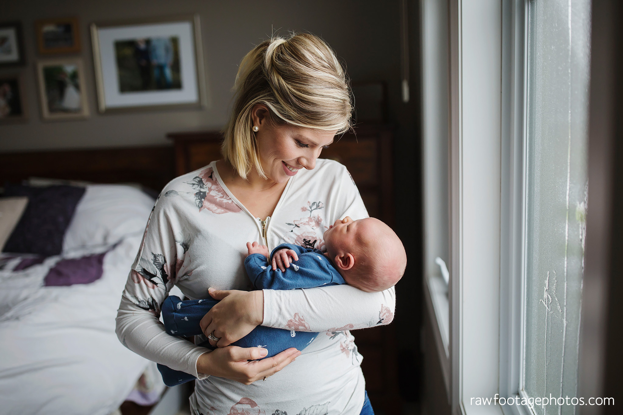 london_ontario_newborn_photographer-newborn_lifestyle_session-in_home_newborn_photos-raw_footage_photography015.jpg