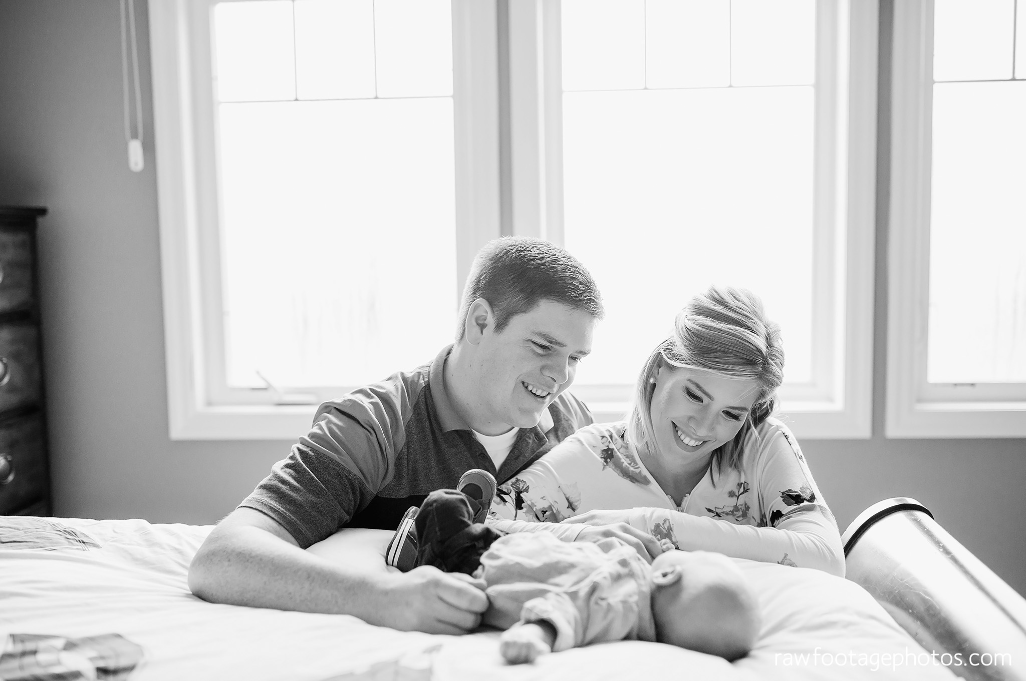 london_ontario_newborn_photographer-newborn_lifestyle_session-in_home_newborn_photos-raw_footage_photography022.jpg