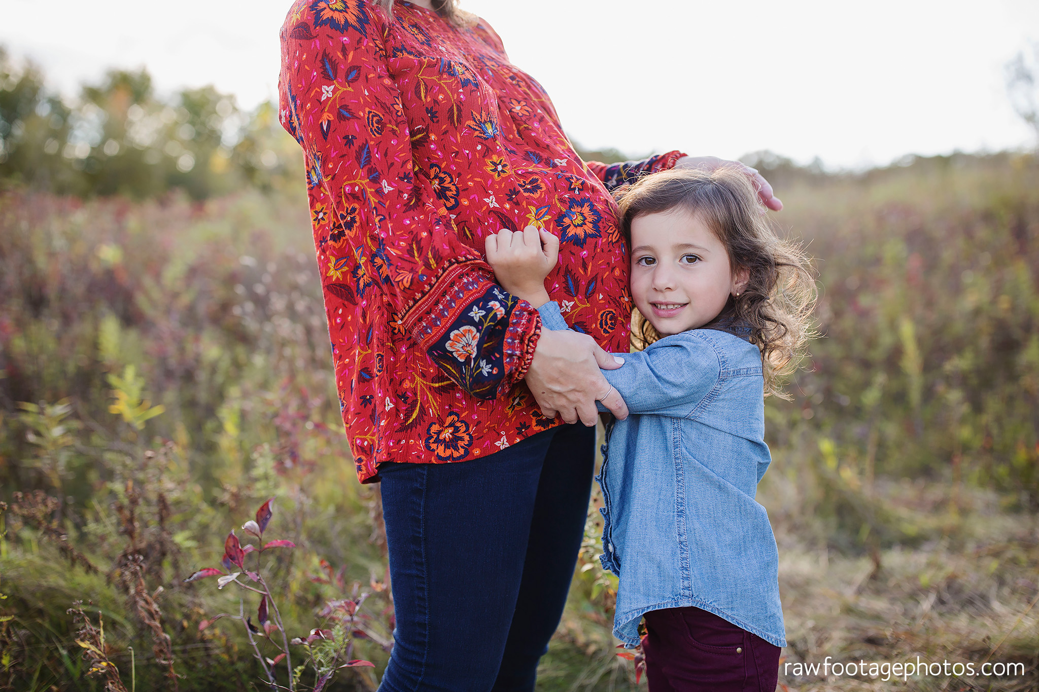 london_ontario_family_photographer-golden_hour_maternity_session-raw_footage_photography005.jpg