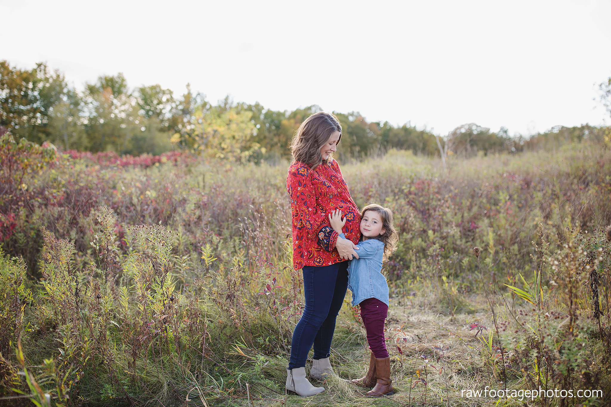 london_ontario_family_photographer-golden_hour_maternity_session-raw_footage_photography004.jpg