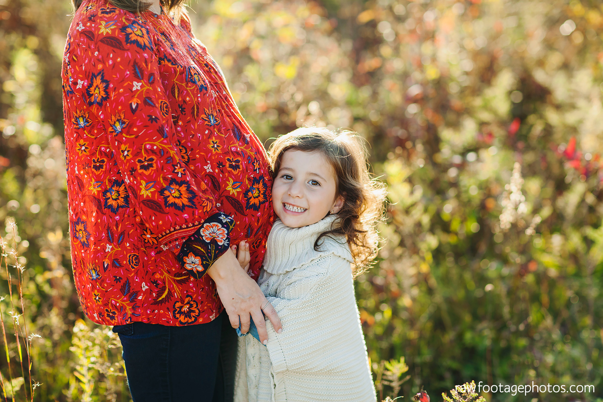 london_ontario_family_photographer-golden_hour_maternity_session-raw_footage_photography026.jpg