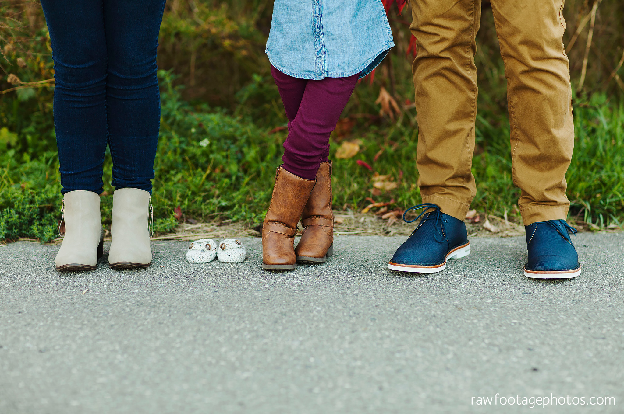 london_ontario_family_photographer-golden_hour_maternity_session-raw_footage_photography029.jpg