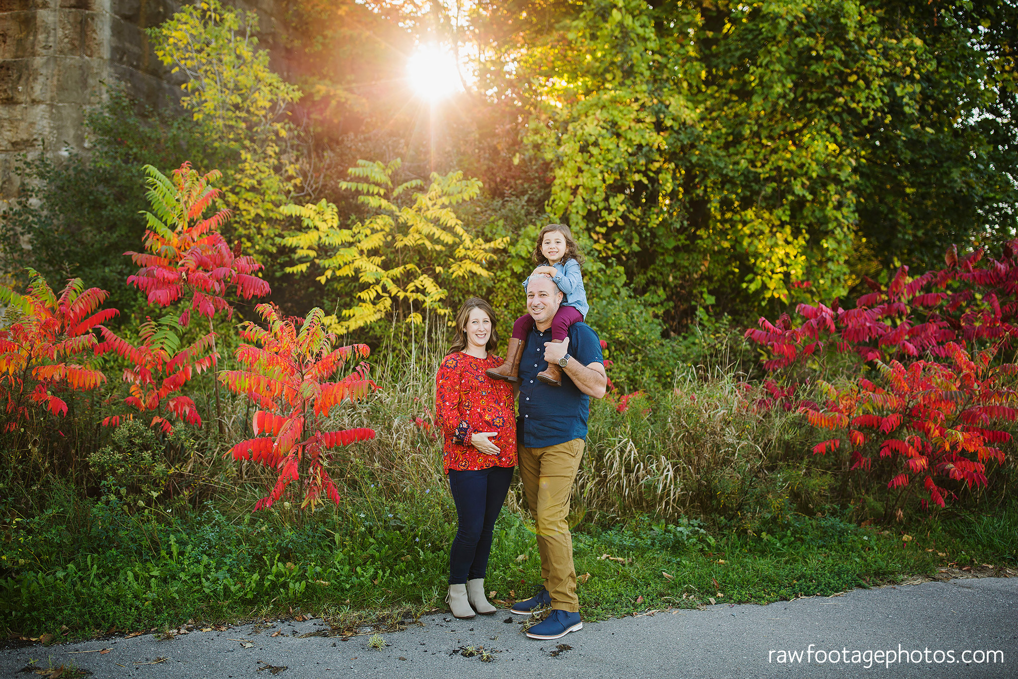 london_ontario_family_photographer-golden_hour_maternity_session-raw_footage_photography030.jpg