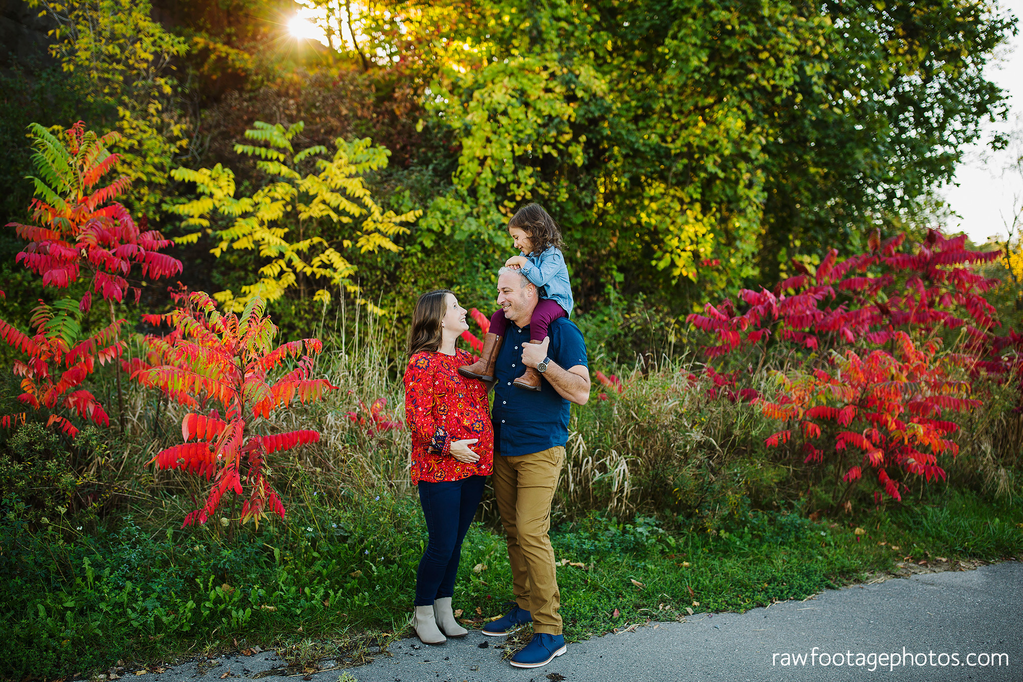 london_ontario_family_photographer-golden_hour_maternity_session-raw_footage_photography031.jpg