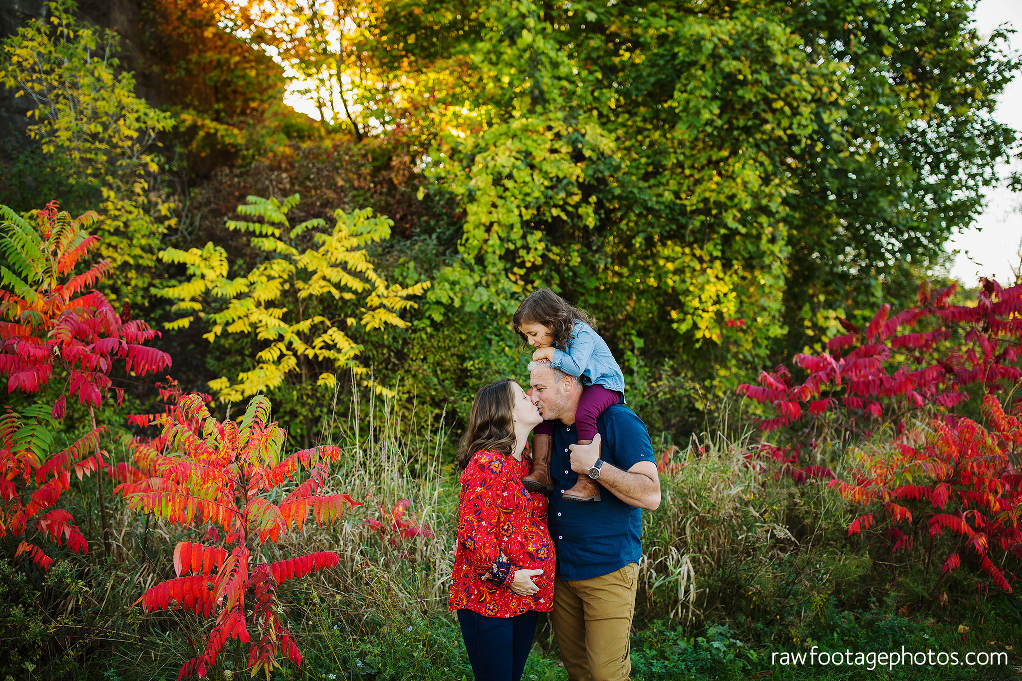 london_ontario_family_photographer-golden_hour_maternity_session-raw_footage_photography032.jpg