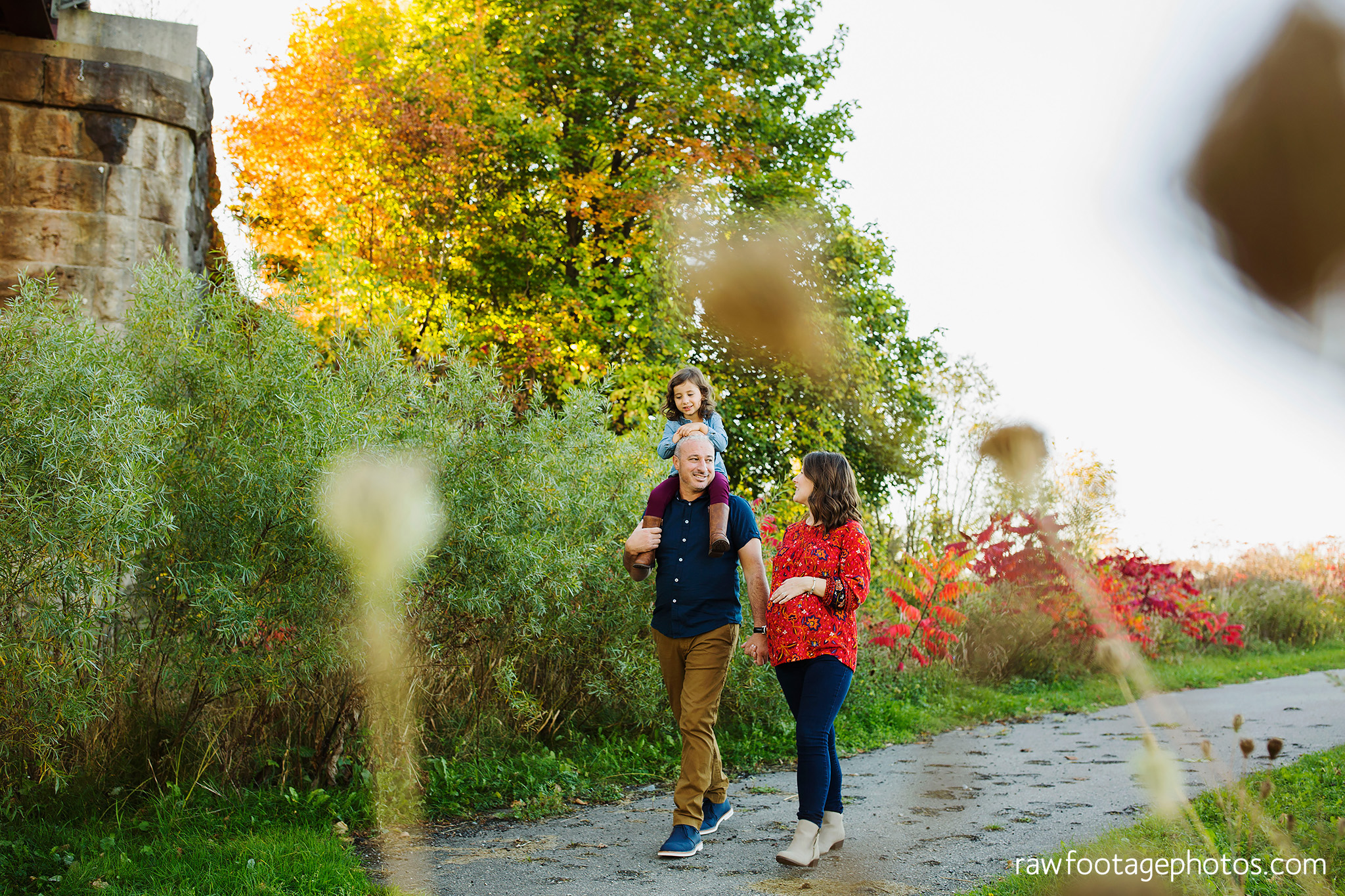 london_ontario_family_photographer-golden_hour_maternity_session-raw_footage_photography033.jpg