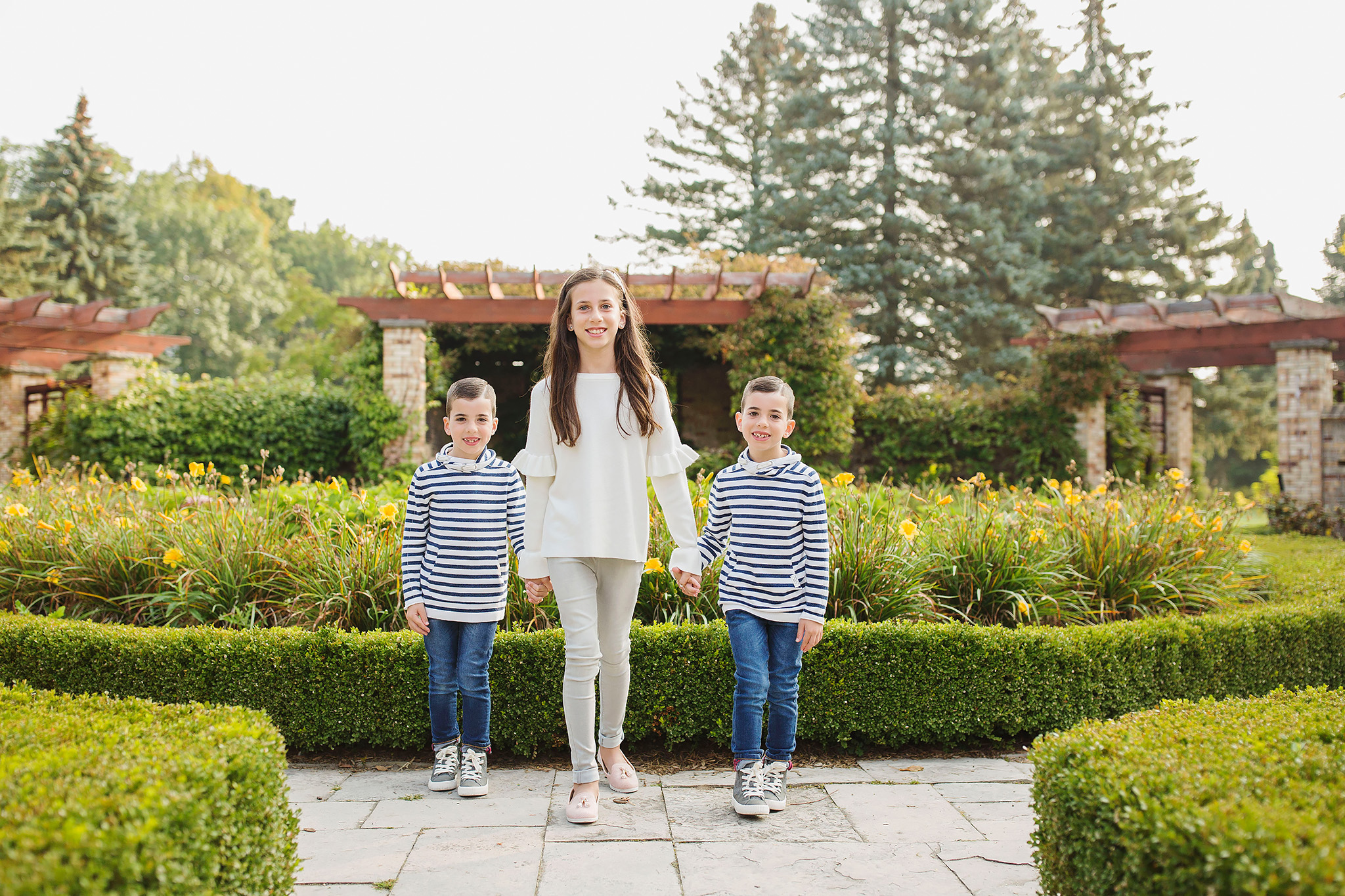 london_ontario_family_photographer-civic_gardens_extended_family_session-raw_footage_photography011.jpg