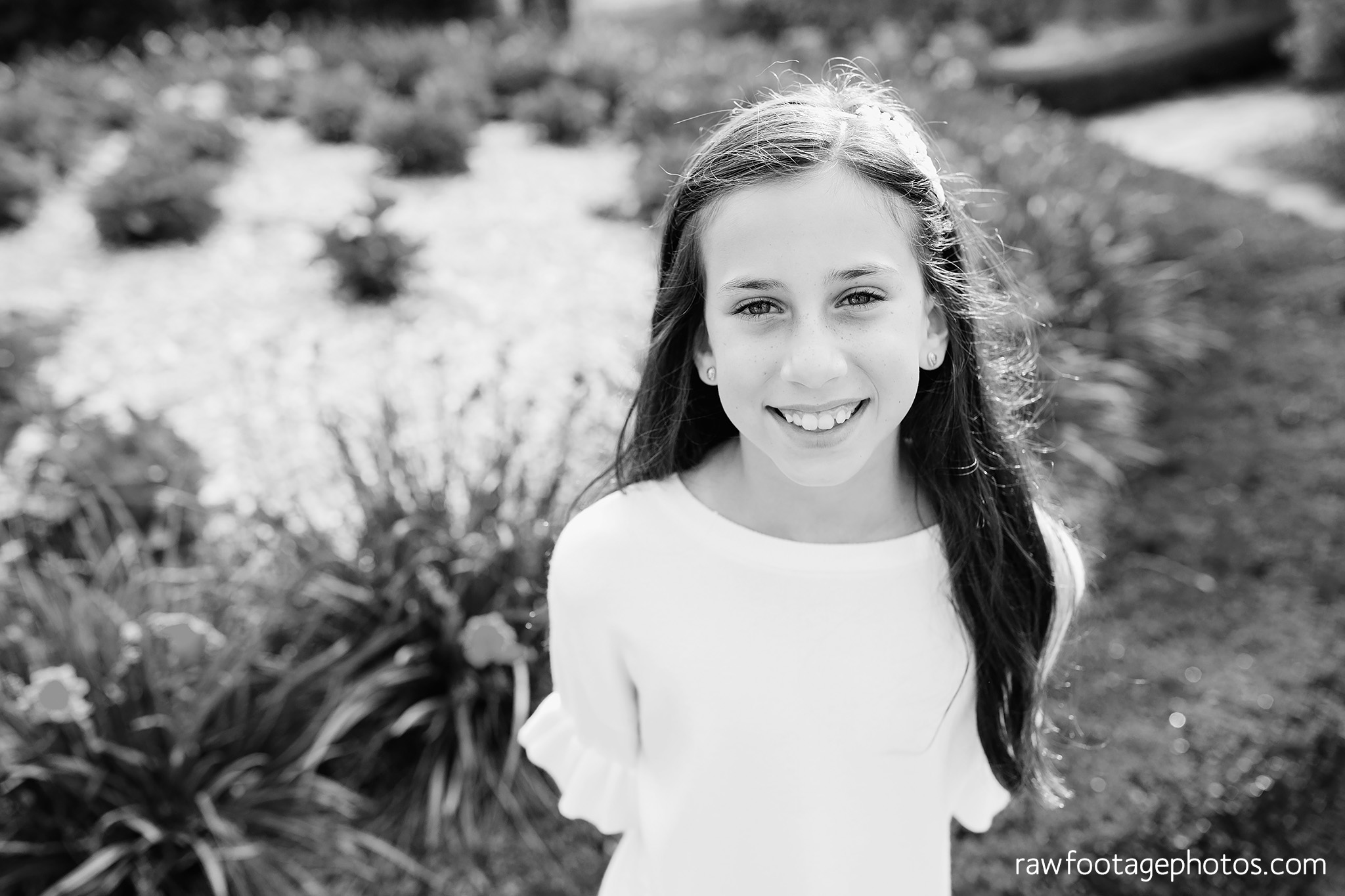 london_ontario_family_photographer-civic_gardens_extended_family_session-raw_footage_photography017.jpg
