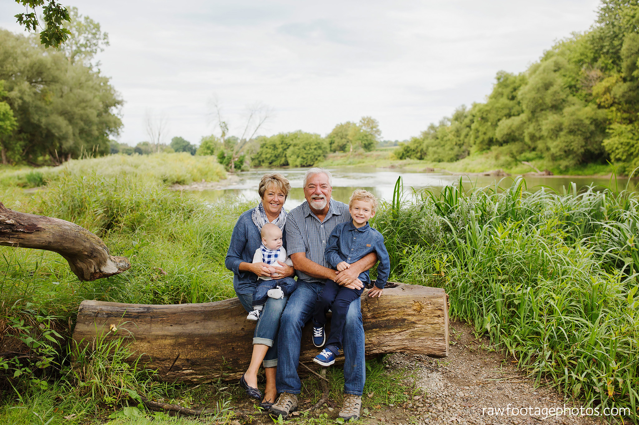 london_ontario_extended_family_photographer-raw_footage_photography007.jpg