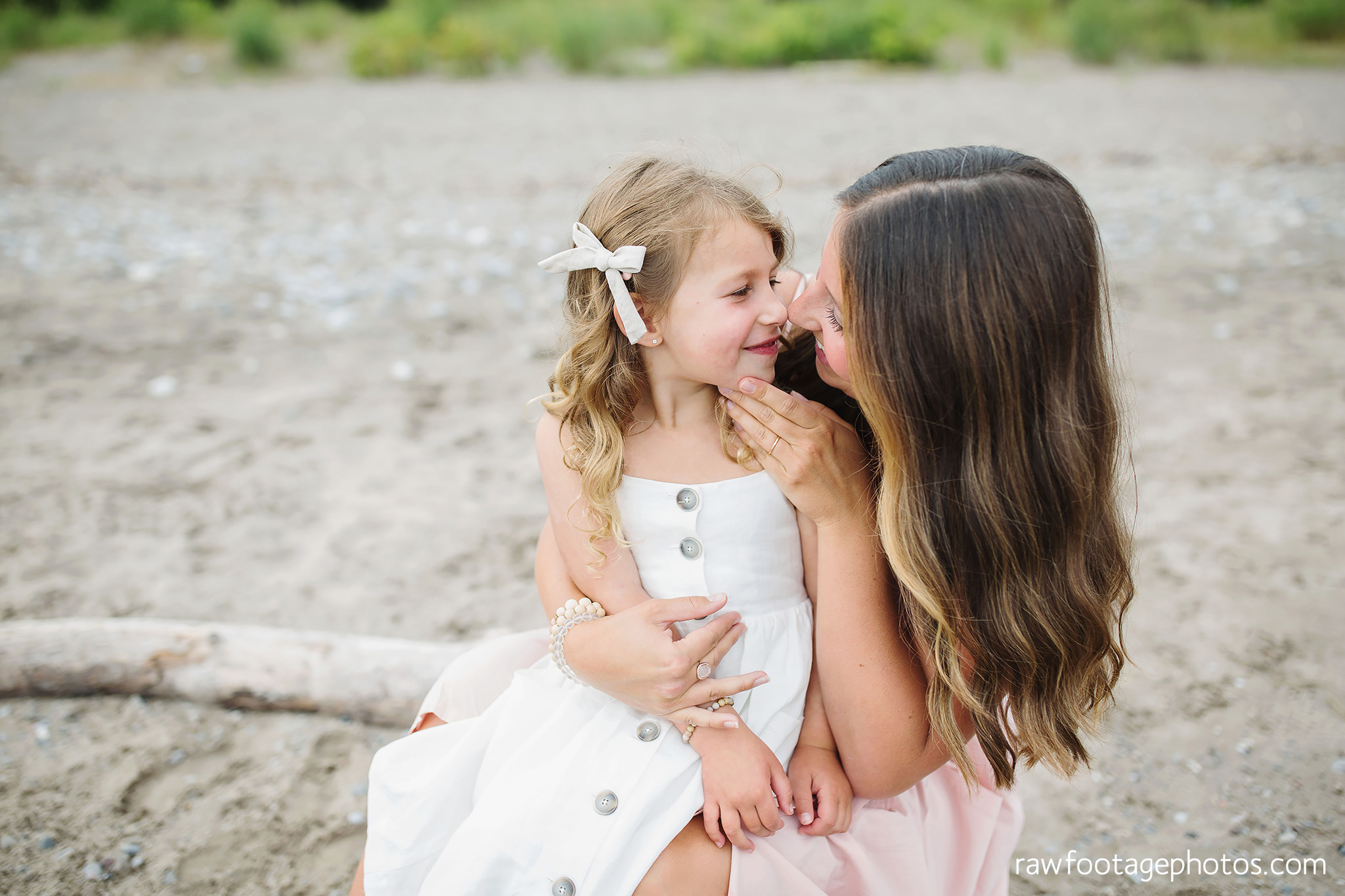 london_ontario_family_photographer-beach_minis-port_stanley_beach-raw_footage_photography055.jpg