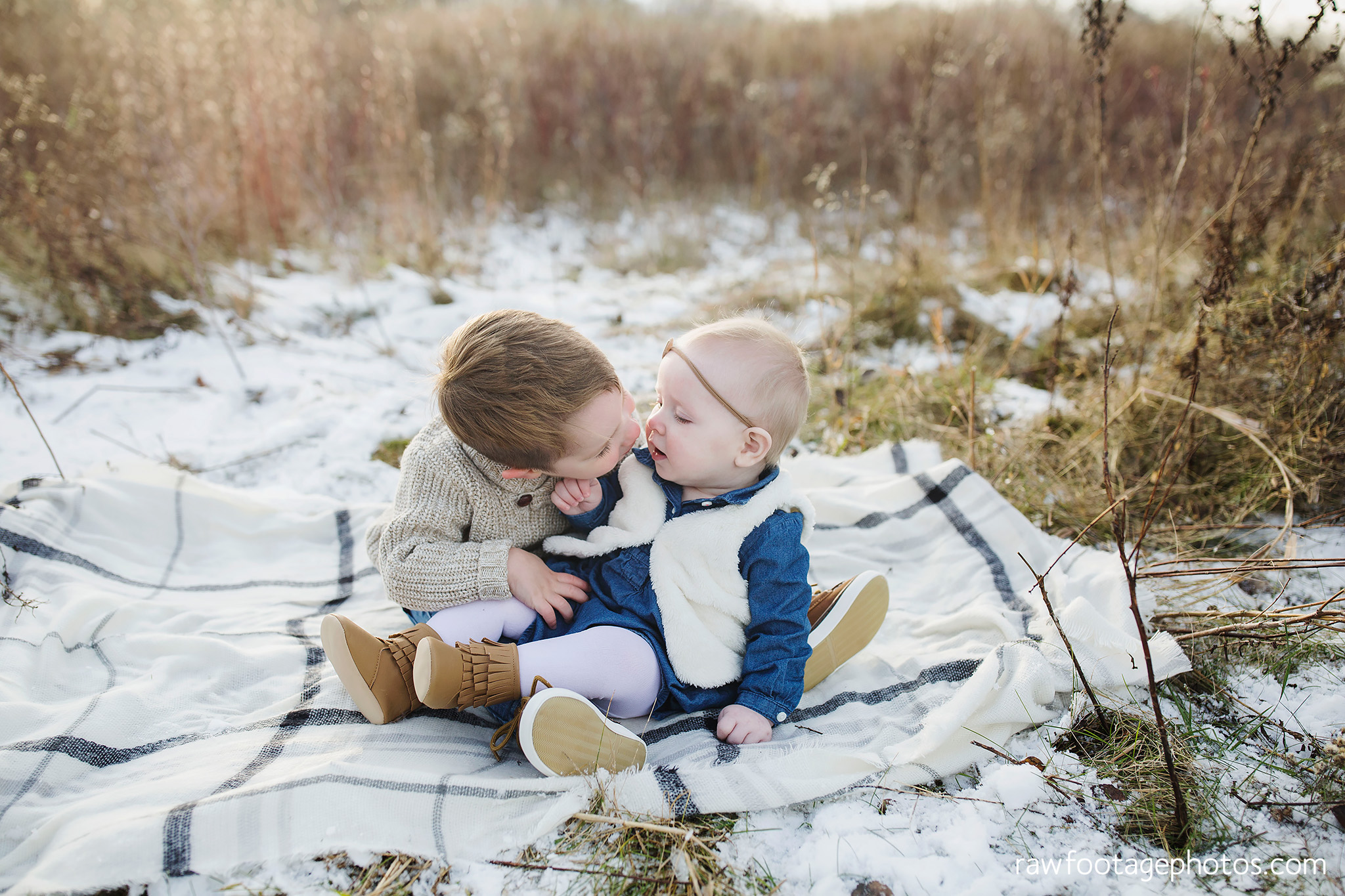 london_ontario_family_photographer-greenhouse_photos-winter_field_photos-raw_footage_photography005.jpg