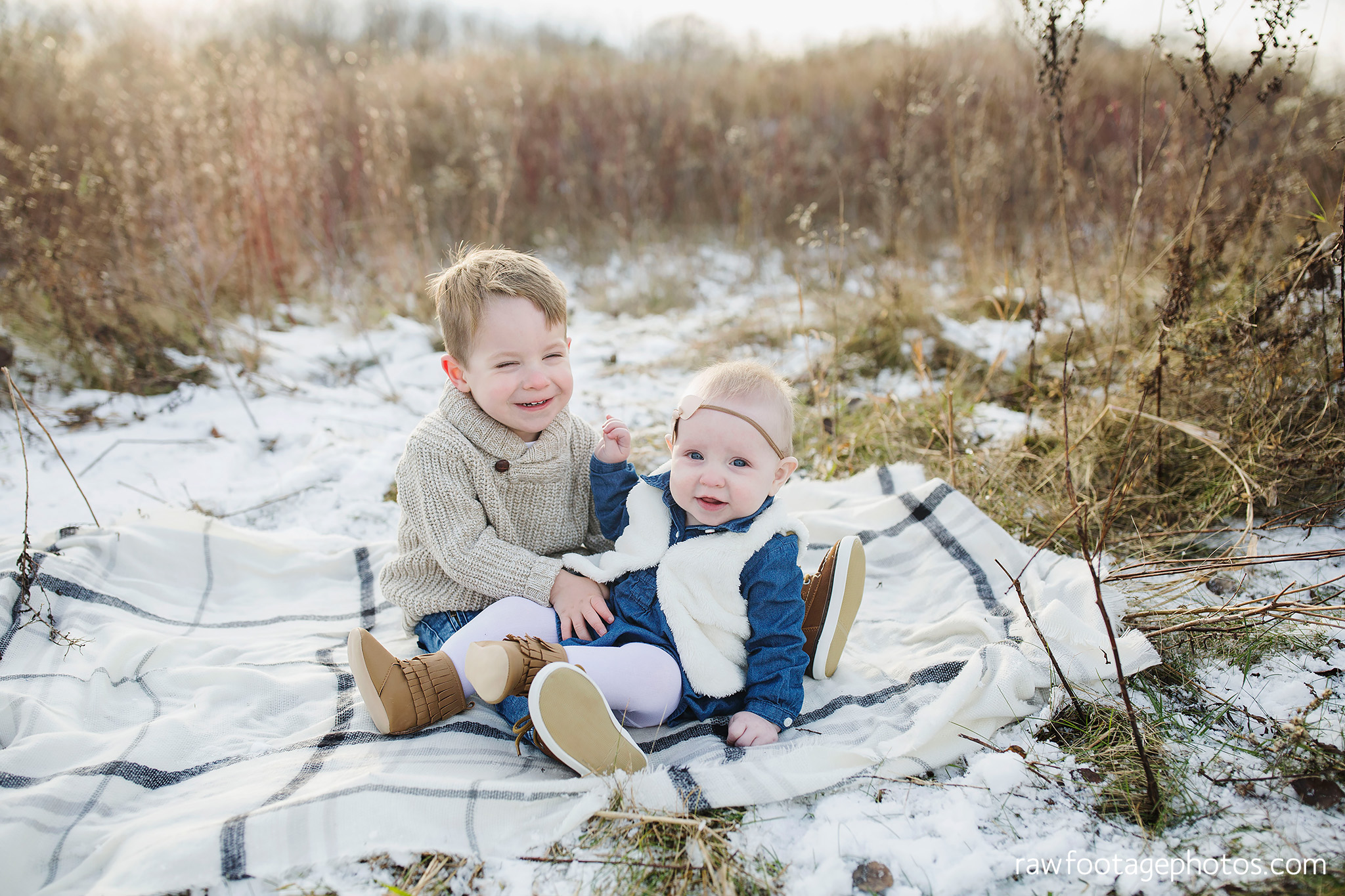london_ontario_family_photographer-greenhouse_photos-winter_field_photos-raw_footage_photography006.jpg