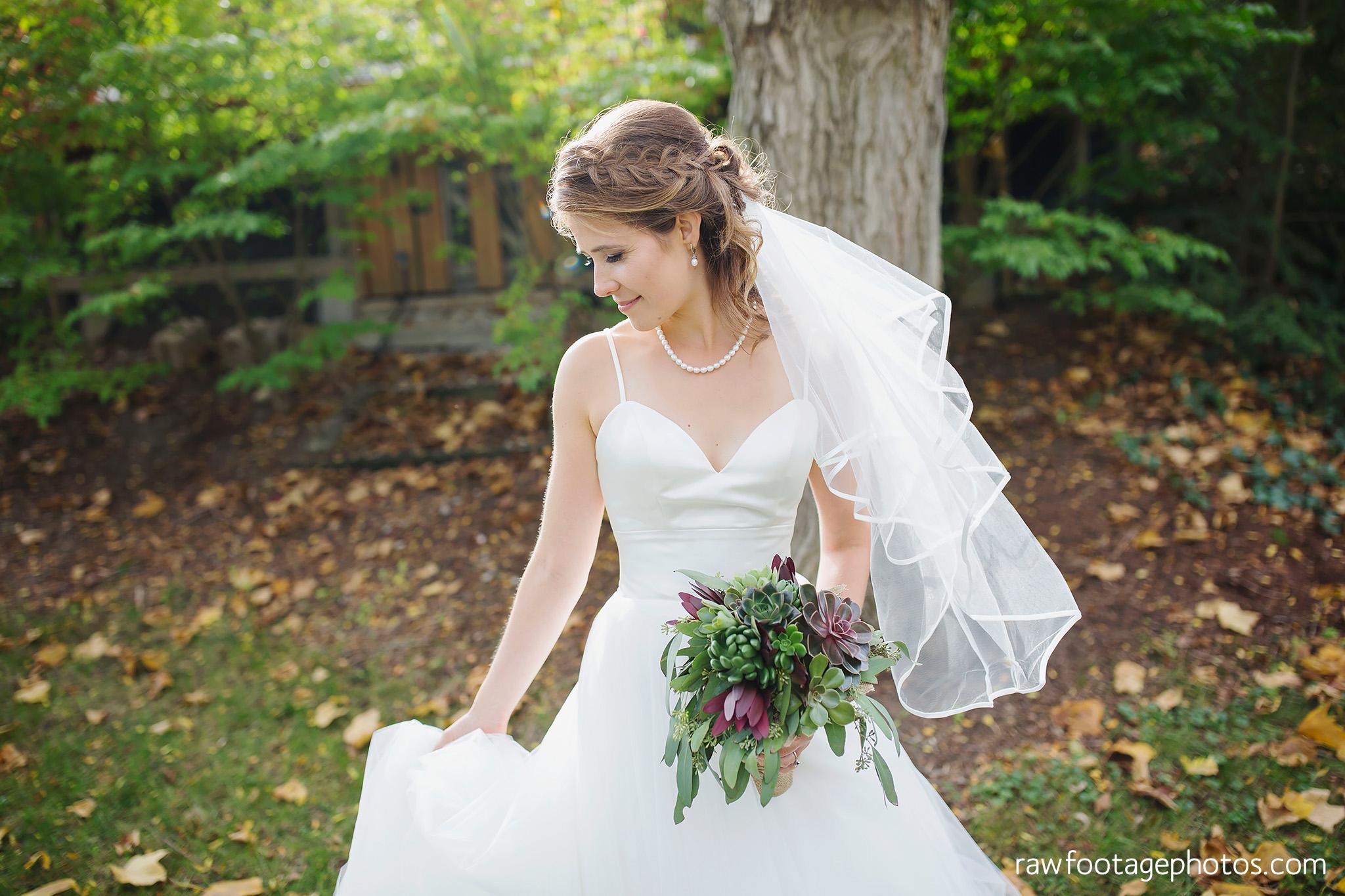 london_ontario_wedding_photographer-civic_gardens-springbank_park-succulent_bouquet-fall_wedding-bridge-raw_footage_photography014.jpg