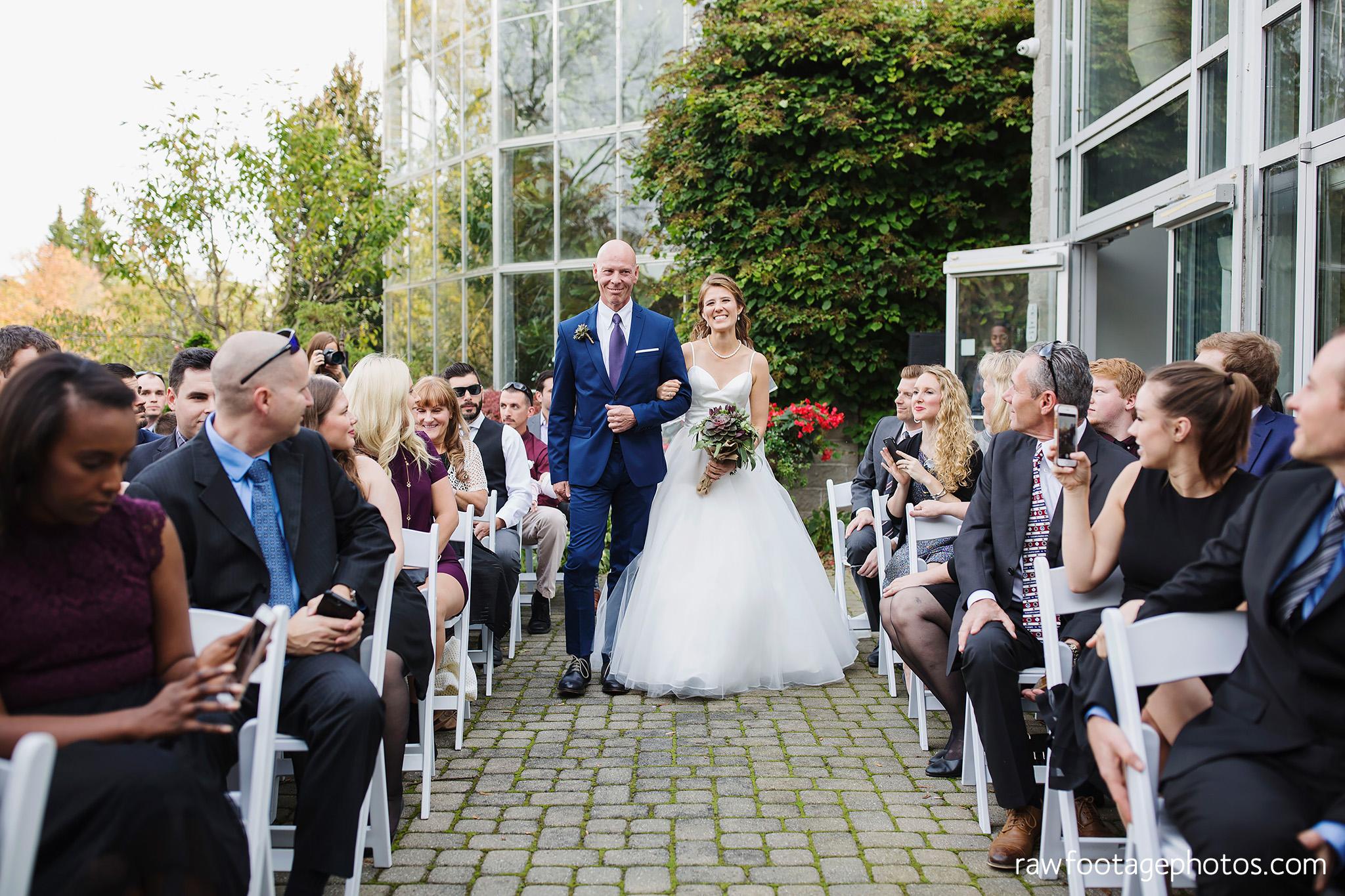 london_ontario_wedding_photographer-civic_gardens-springbank_park-succulent_bouquet-fall_wedding-bridge-raw_footage_photography037.jpg