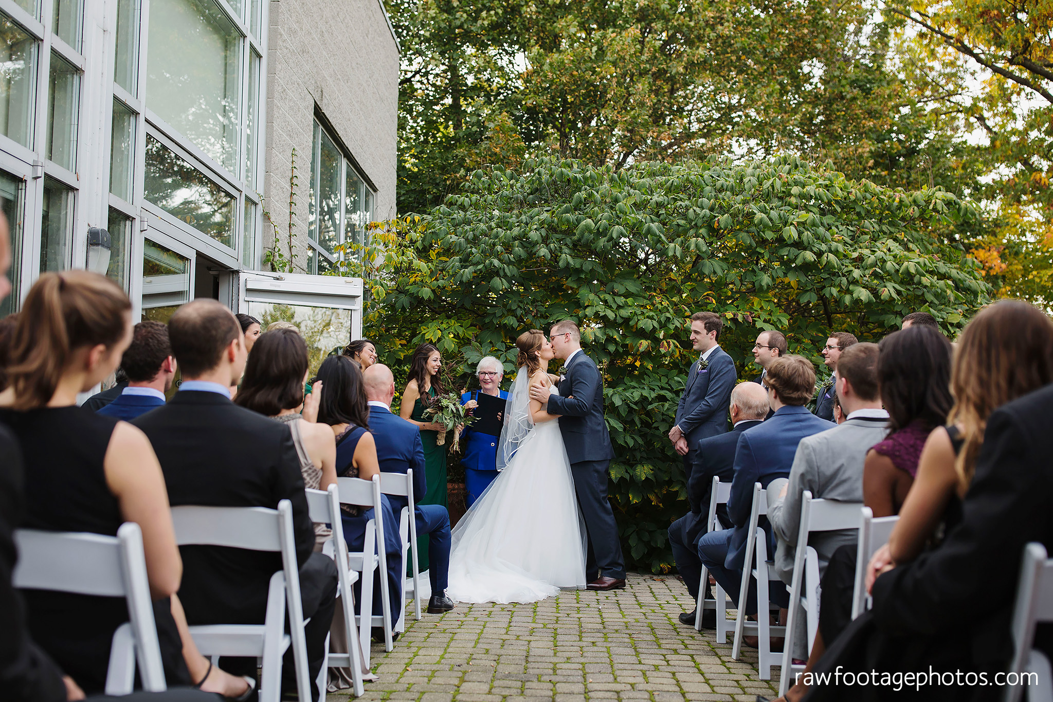 london_ontario_wedding_photographer-civic_gardens-springbank_park-succulent_bouquet-fall_wedding-bridge-raw_footage_photography041.jpg