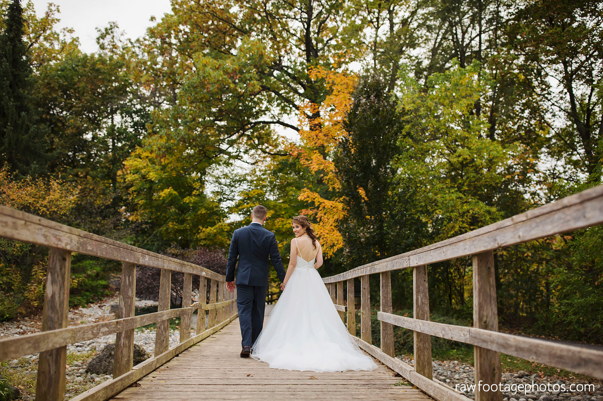 london_ontario_wedding_photographer-civic_gardens-springbank_park-succulent_bouquet-fall_wedding-bridge-raw_footage_photography059.jpg