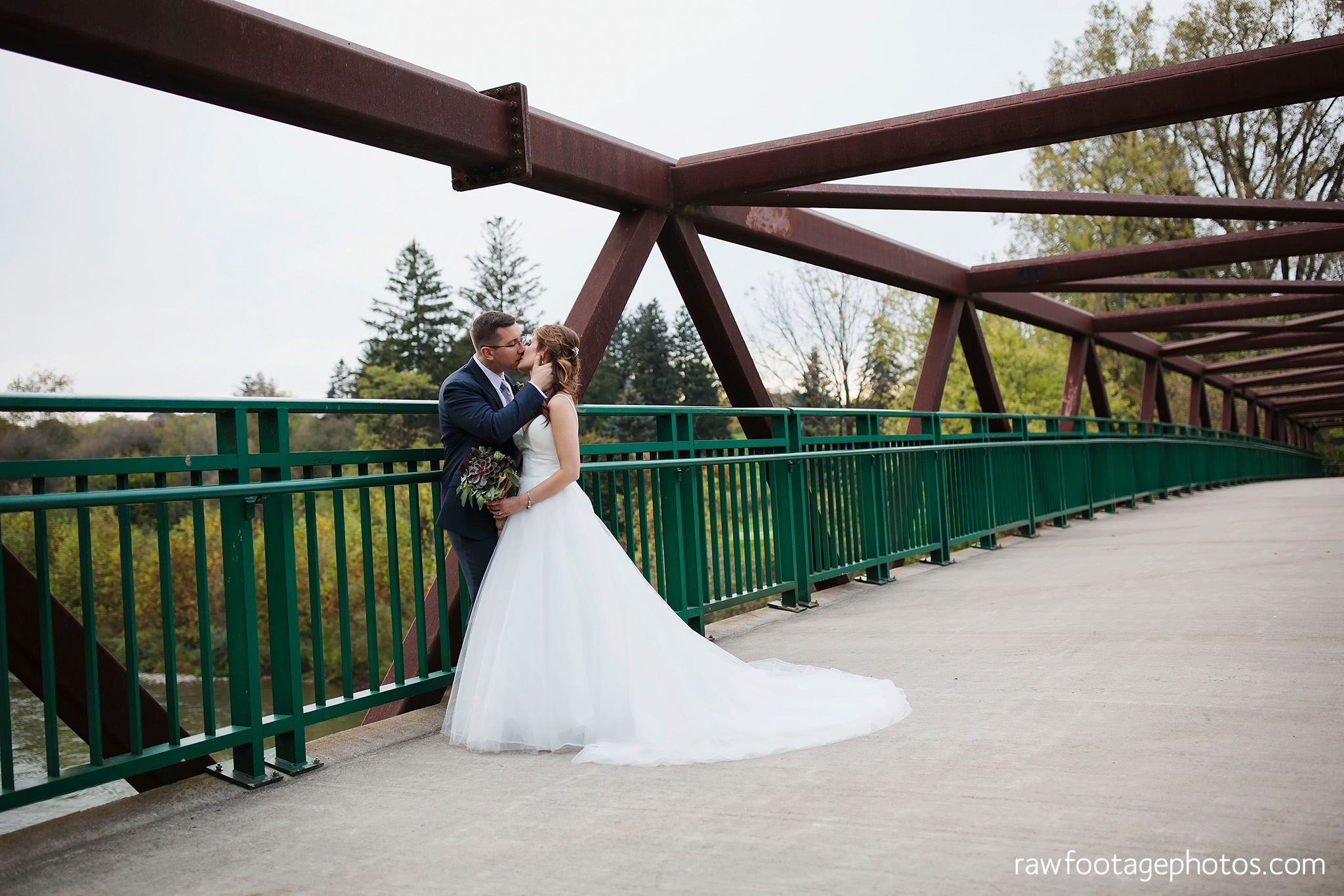 london_ontario_wedding_photographer-civic_gardens-springbank_park-succulent_bouquet-fall_wedding-bridge-raw_footage_photography066.jpg