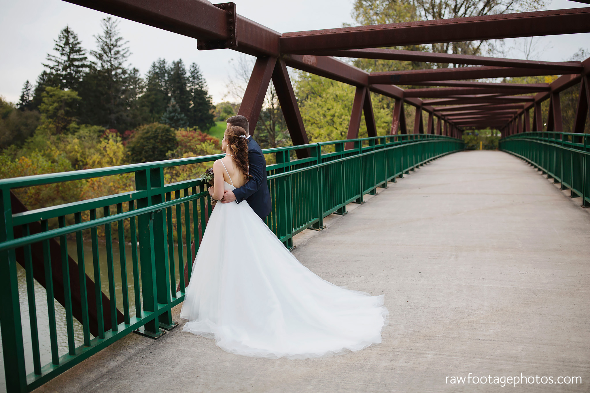 london_ontario_wedding_photographer-civic_gardens-springbank_park-succulent_bouquet-fall_wedding-bridge-raw_footage_photography069.jpg