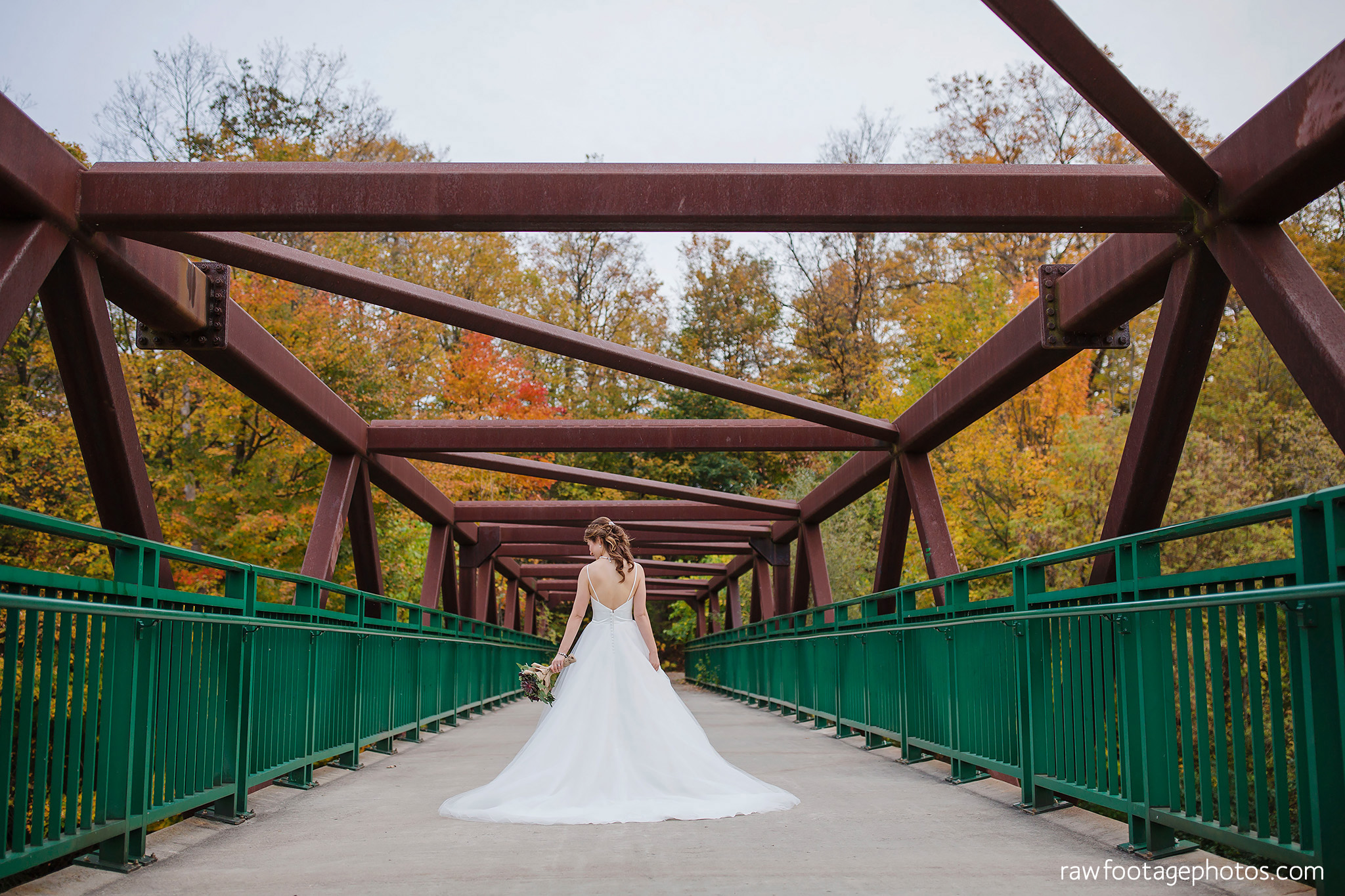 london_ontario_wedding_photographer-civic_gardens-springbank_park-succulent_bouquet-fall_wedding-bridge-raw_footage_photography071.jpg
