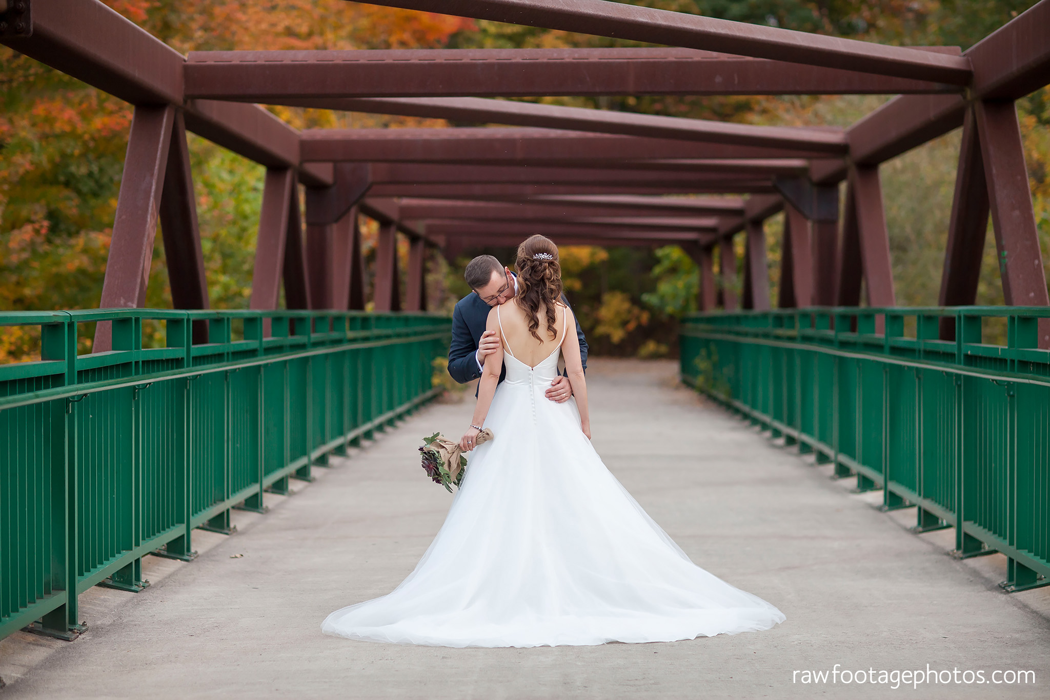london_ontario_wedding_photographer-civic_gardens-springbank_park-succulent_bouquet-fall_wedding-bridge-raw_footage_photography076.jpg