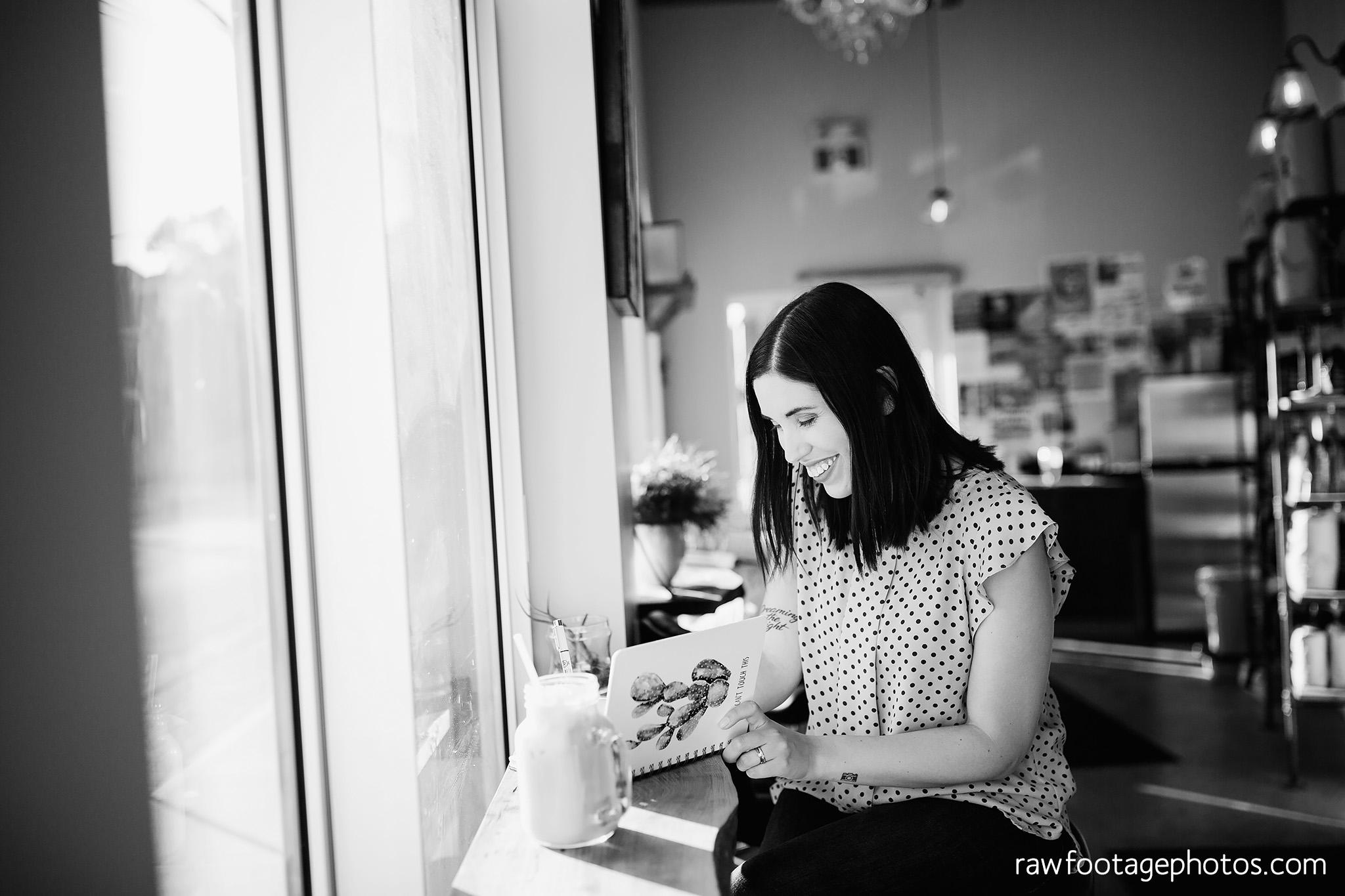london_ontario_branding_photographer-lifestyle_headshot_session-golden_hour-cafe-photographer_branding-raw_footage_photography-corgi-dog006.jpg