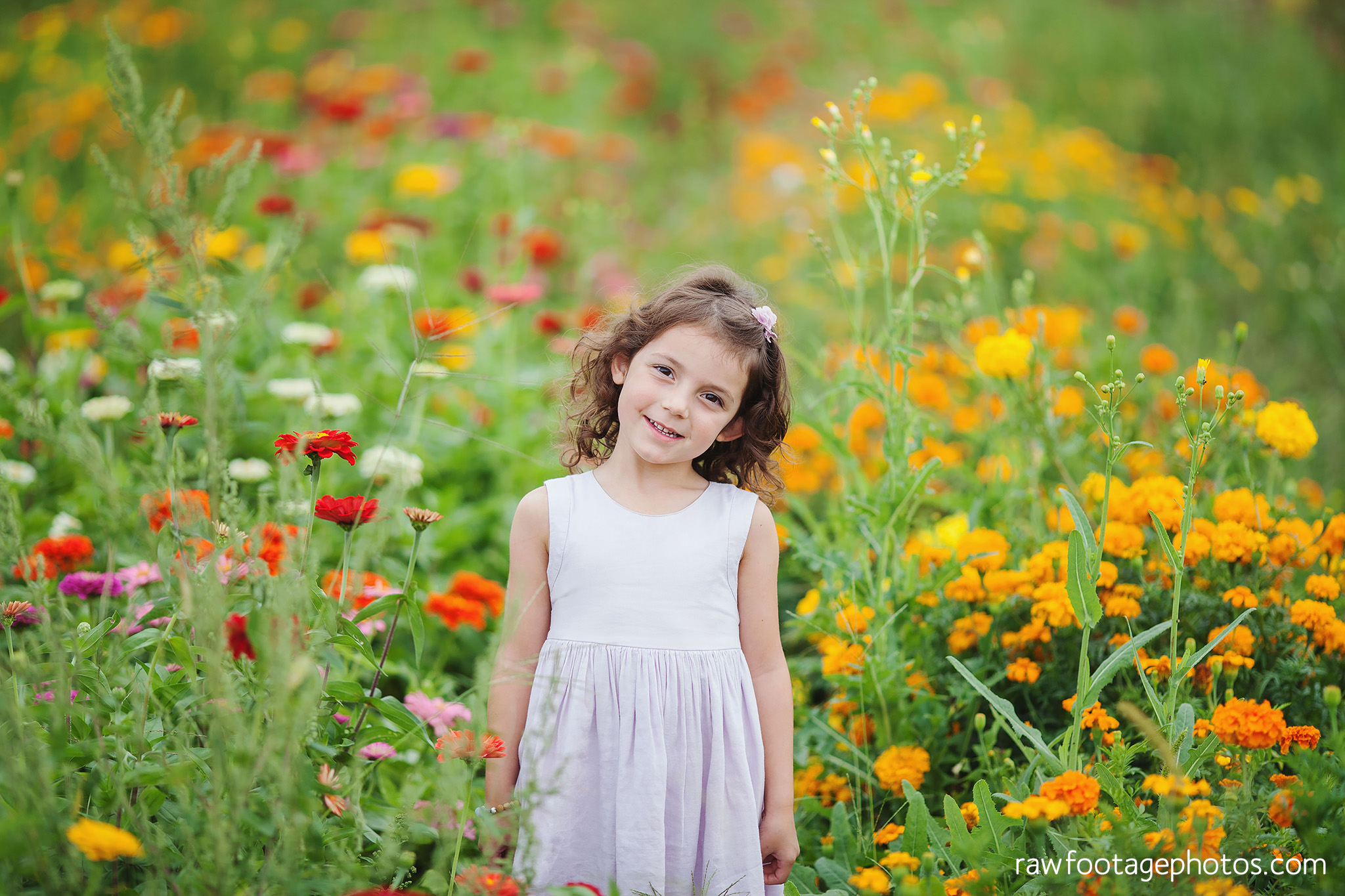 London_ontario_family_photographer-harris_flower_farm-flower_farm_minis-raw_footage_photography002.jpg