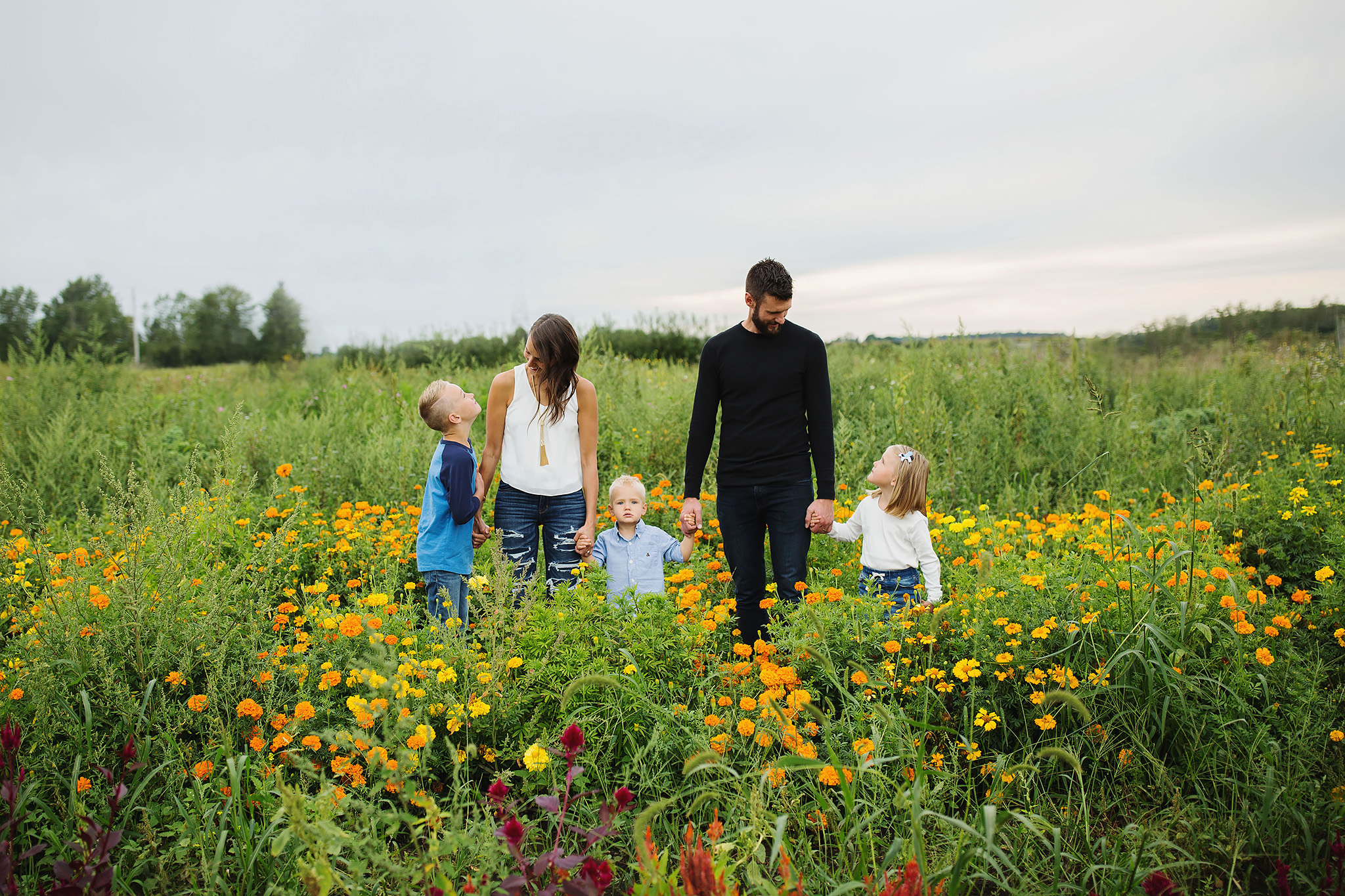 London_ontario_family_photographer-harris_flower_farm-flower_farm_minis-raw_footage_photography008.jpg