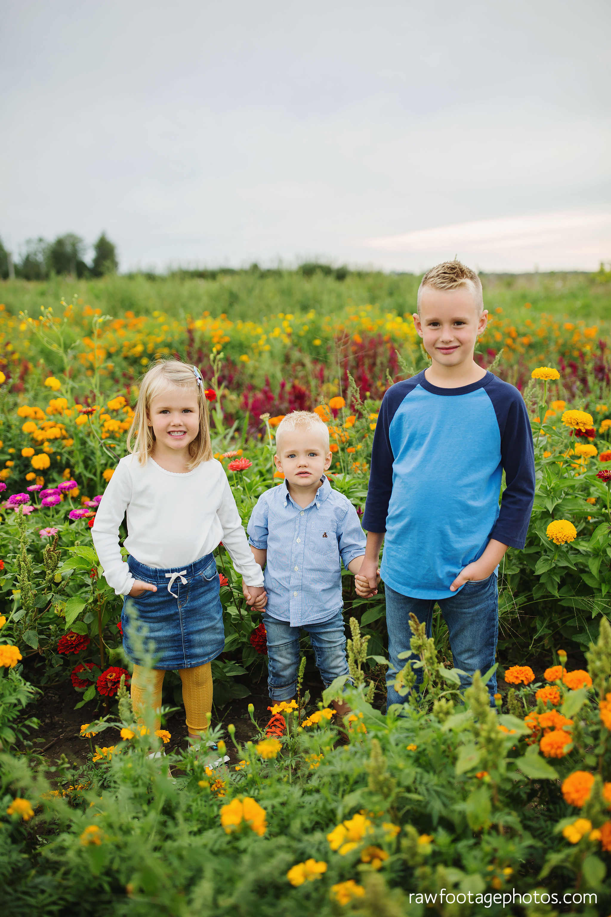 London_ontario_family_photographer-harris_flower_farm-flower_farm_minis-raw_footage_photography010.jpg