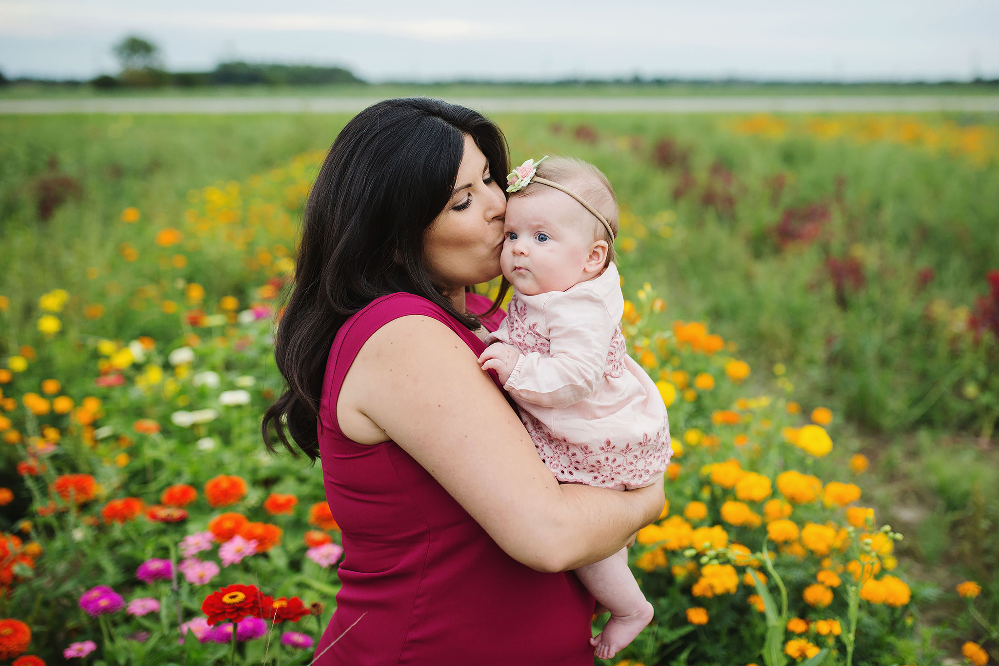 London_ontario_family_photographer-harris_flower_farm-flower_farm_minis-raw_footage_photography024.jpg