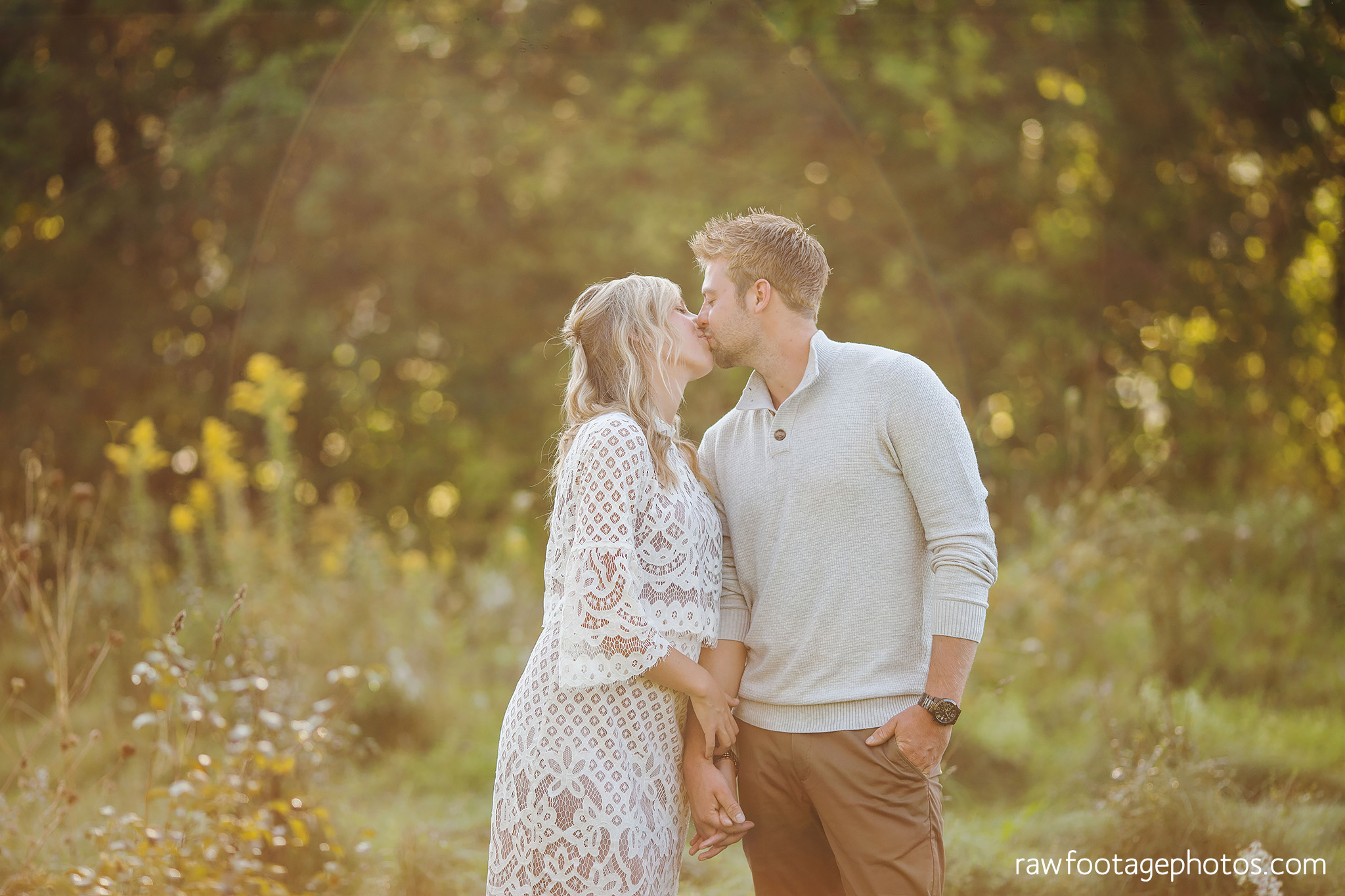 London_Ontario_Family_photographer-Fall_Minis-Woods-Forest-Nature-Candid-Lifestyle-Raw_Footage_Photography004.jpg