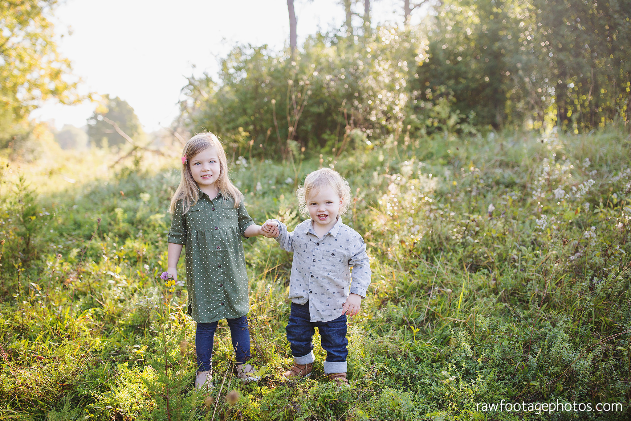 London_Ontario_Family_photographer-Fall_Minis-Woods-Forest-Nature-Candid-Lifestyle-Raw_Footage_Photography006.jpg