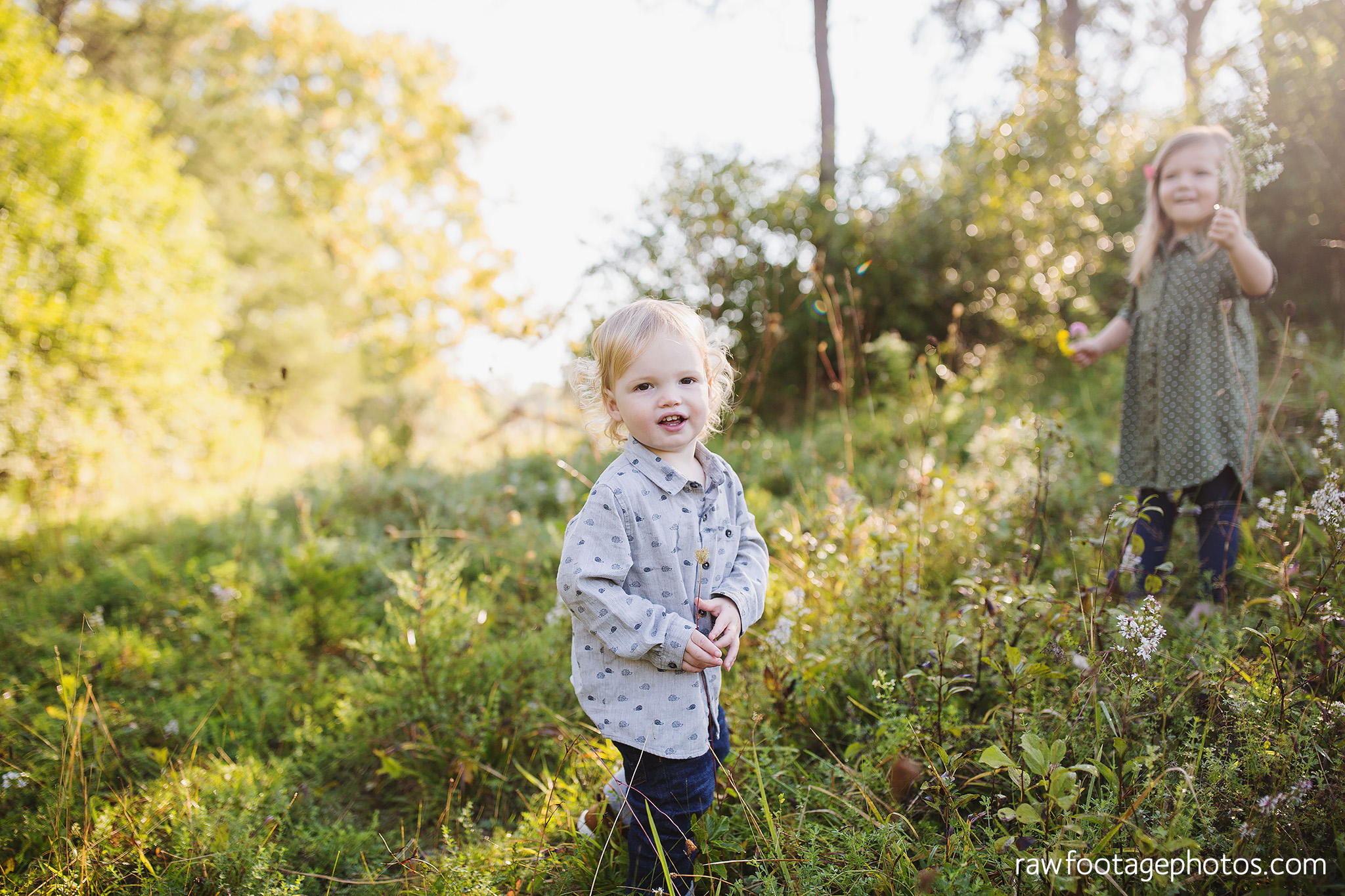 London_Ontario_Family_photographer-Fall_Minis-Woods-Forest-Nature-Candid-Lifestyle-Raw_Footage_Photography007.jpg