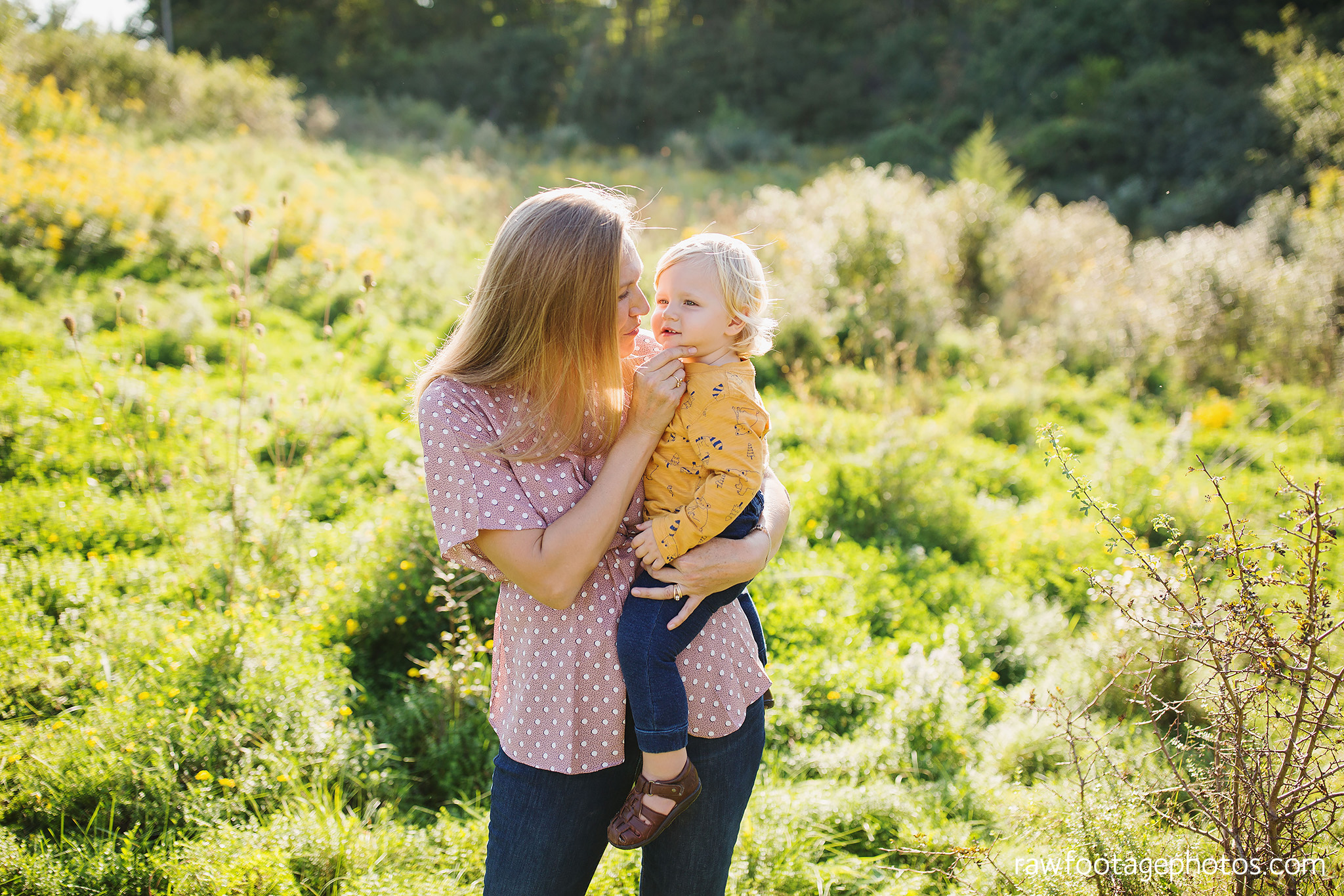 London_Ontario_Family_photographer-Fall_Minis-Woods-Forest-Nature-Candid-Lifestyle-Raw_Footage_Photography017.jpg