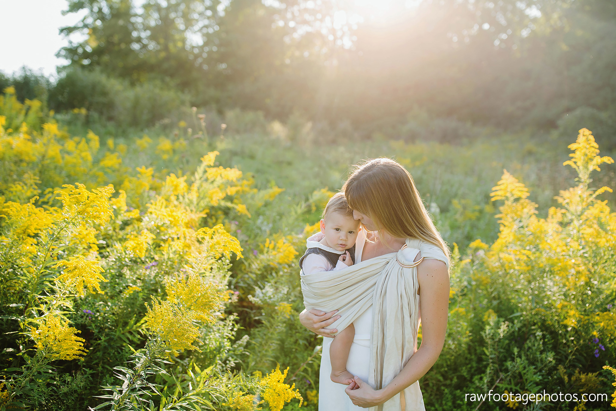 London_Ontario_Family_photographer-Fall_Minis-Woods-Forest-Nature-Candid-Lifestyle-Raw_Footage_Photography020.jpg