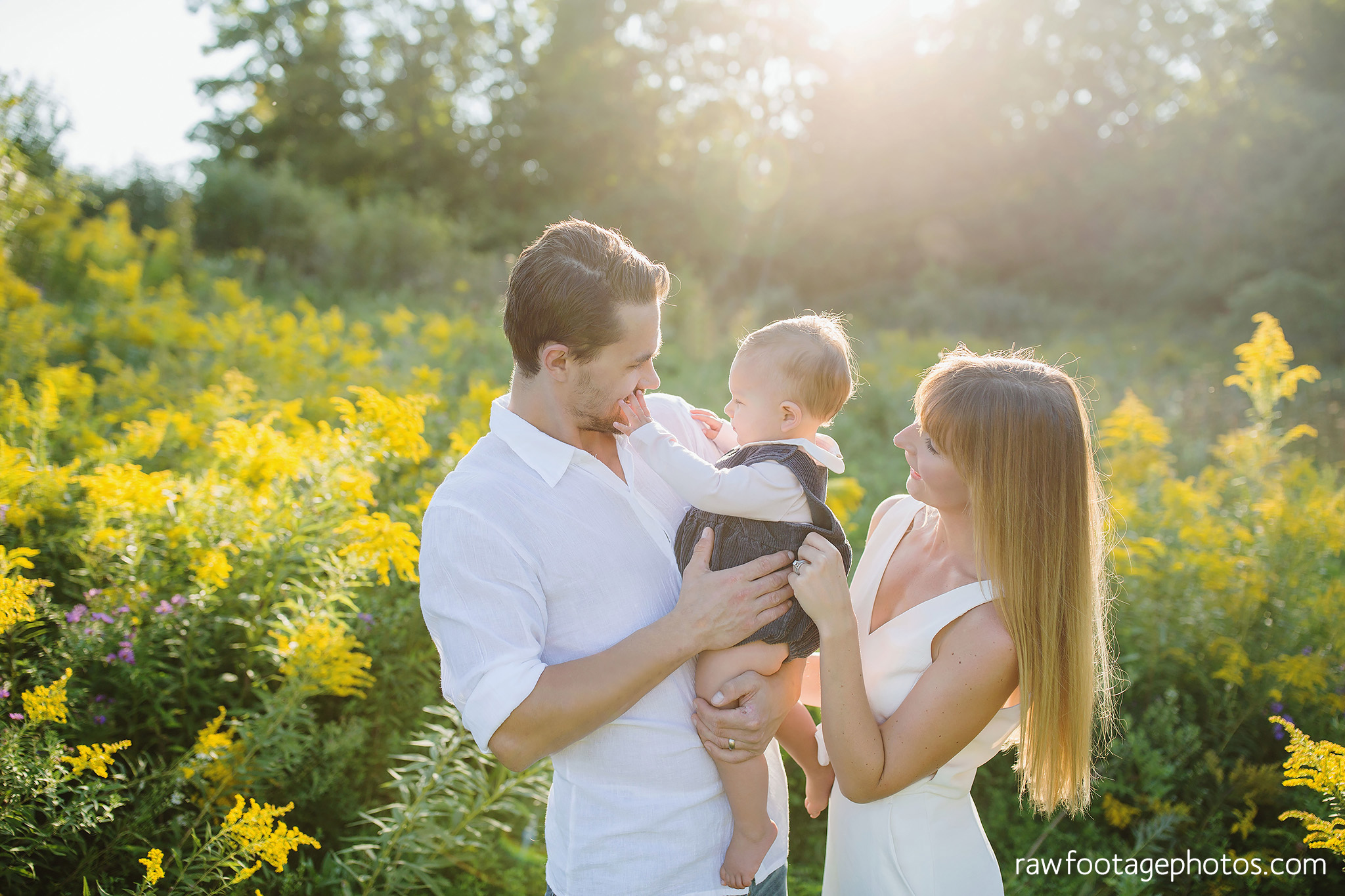 London_Ontario_Family_photographer-Fall_Minis-Woods-Forest-Nature-Candid-Lifestyle-Raw_Footage_Photography022.jpg