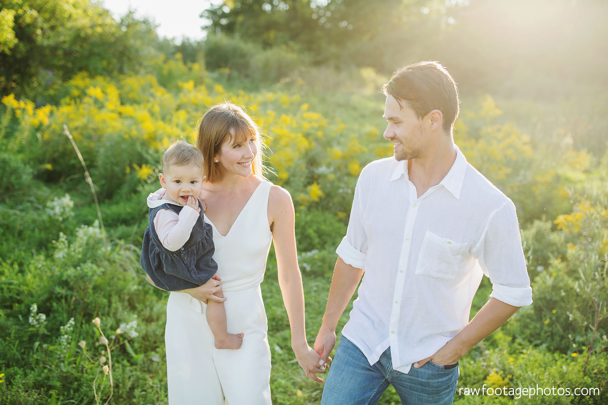 London_Ontario_Family_photographer-Fall_Minis-Woods-Forest-Nature-Candid-Lifestyle-Raw_Footage_Photography025.jpg