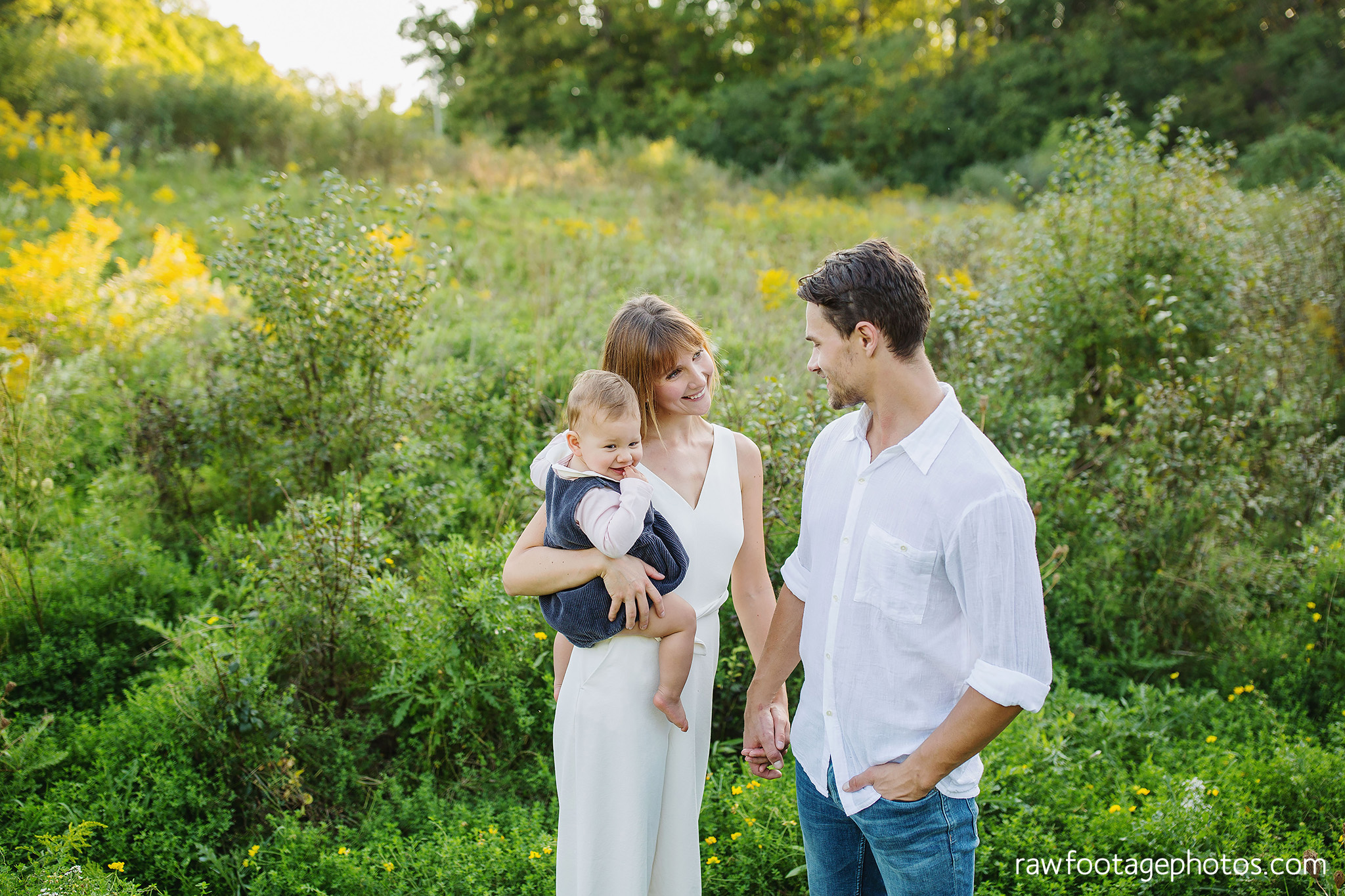 London_Ontario_Family_photographer-Fall_Minis-Woods-Forest-Nature-Candid-Lifestyle-Raw_Footage_Photography027.jpg