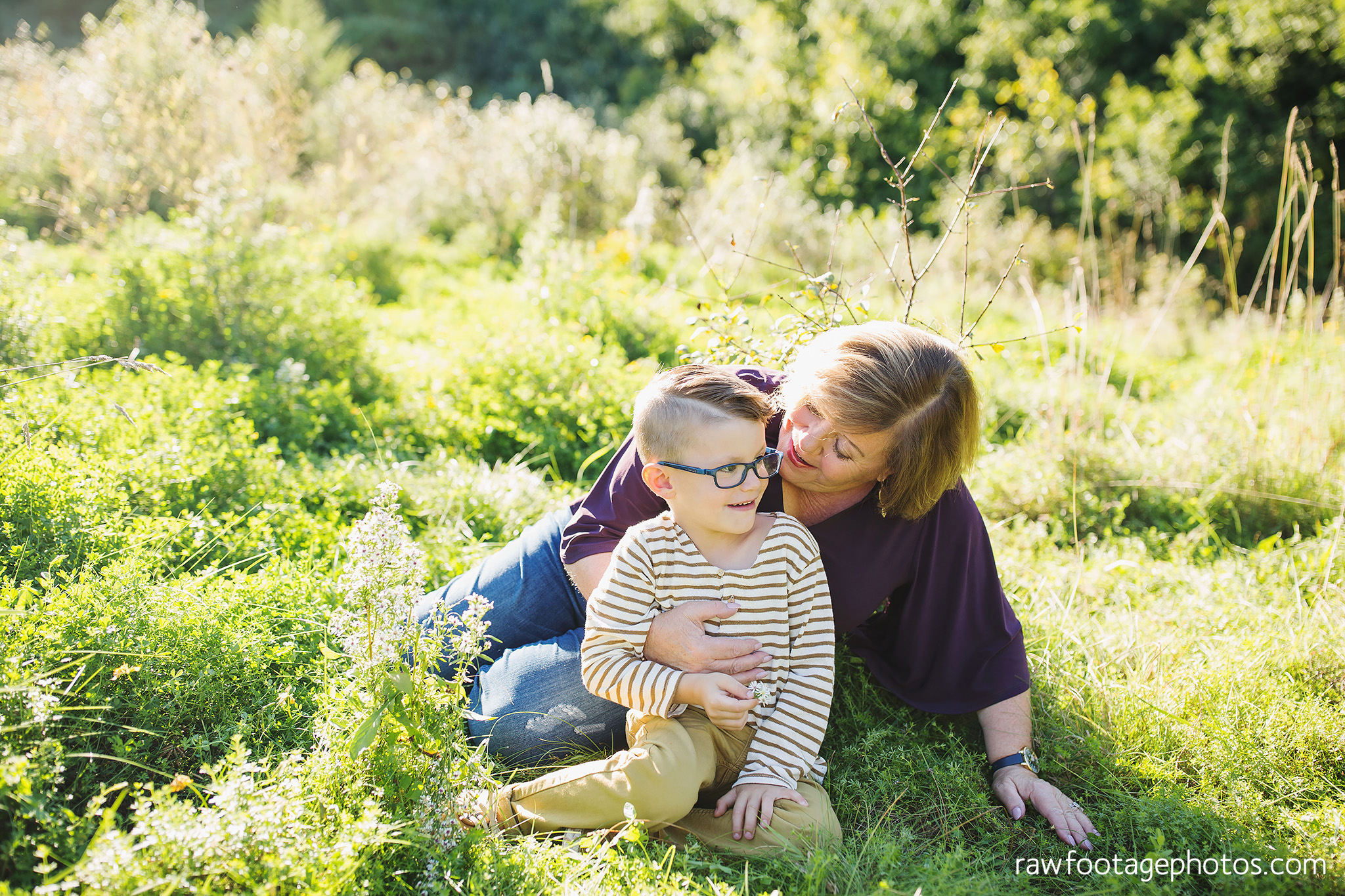 London_Ontario_Family_photographer-Fall_Minis-Woods-Forest-Nature-Candid-Lifestyle-Raw_Footage_Photography034.jpg