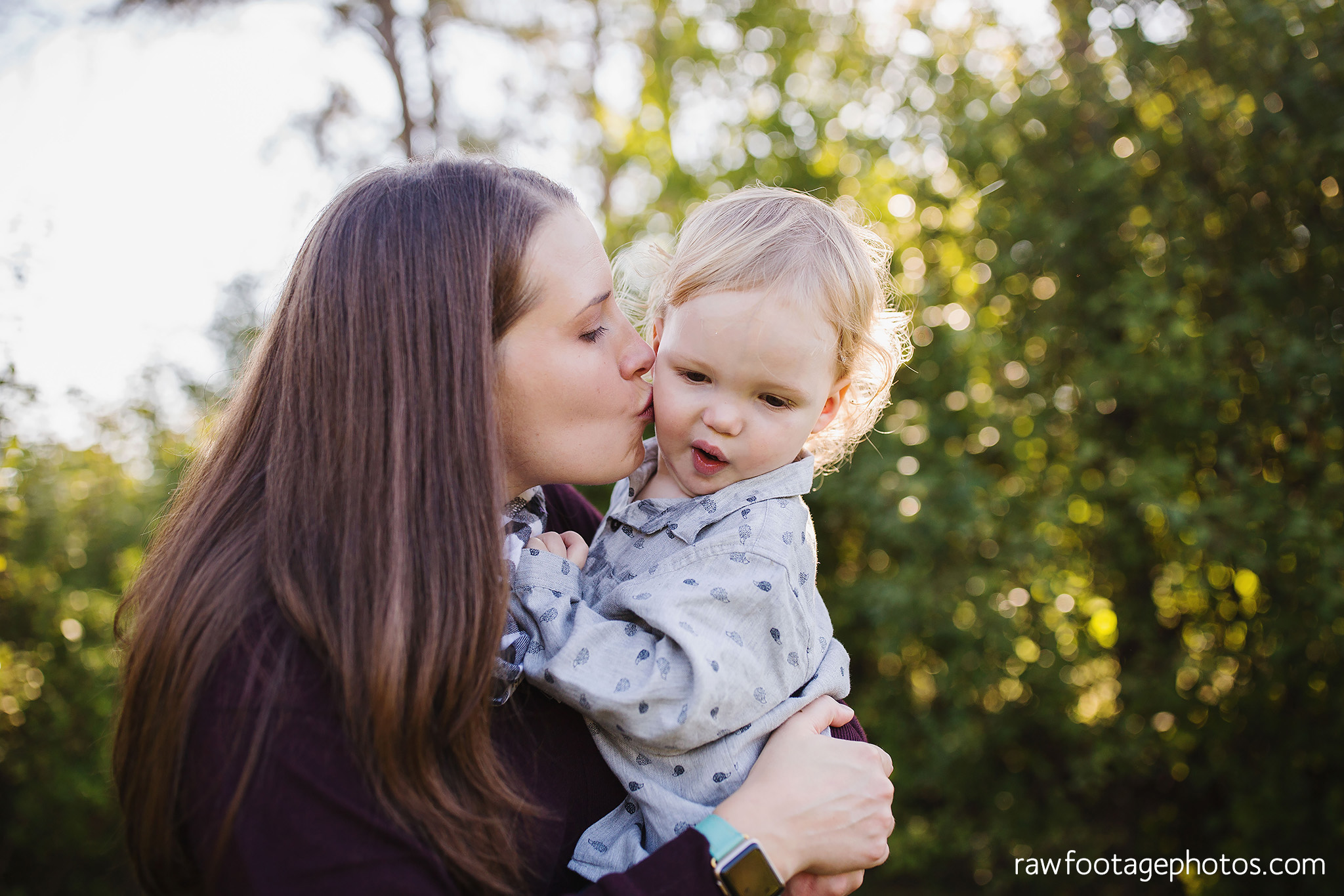 London_Ontario_Family_photographer-Fall_Minis-Woods-Forest-Nature-Candid-Lifestyle-Raw_Footage_Photography043.jpg
