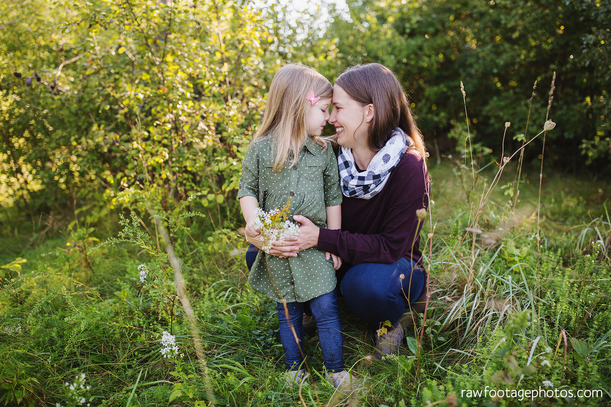 London_Ontario_Family_photographer-Fall_Minis-Woods-Forest-Nature-Candid-Lifestyle-Raw_Footage_Photography045.jpg