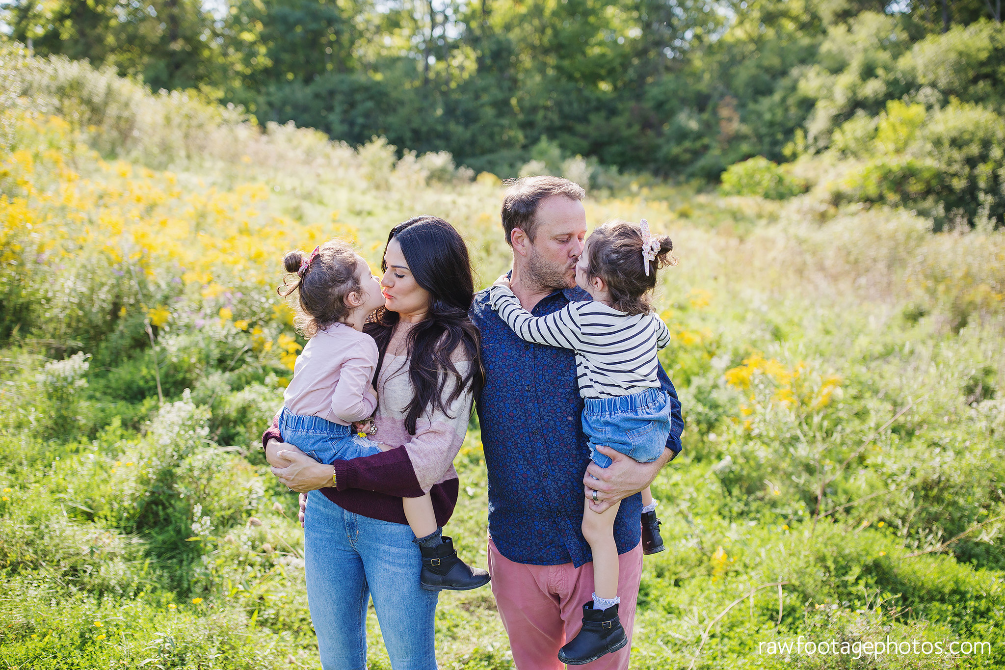 London_Ontario_Family_photographer-Fall_Minis-Woods-Forest-Nature-Candid-Lifestyle-Raw_Footage_Photography047.jpg