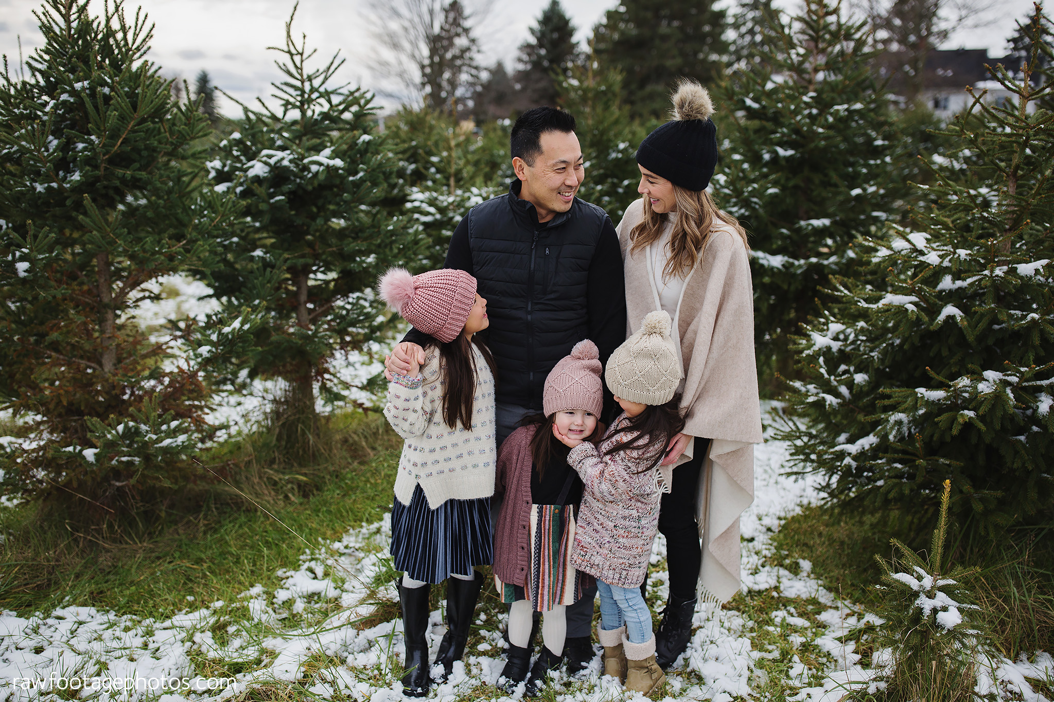 london_ontario_family_photographer-raw_footage_photography-tree_farm_minis-christmas_sessions-winter0003.jpg
