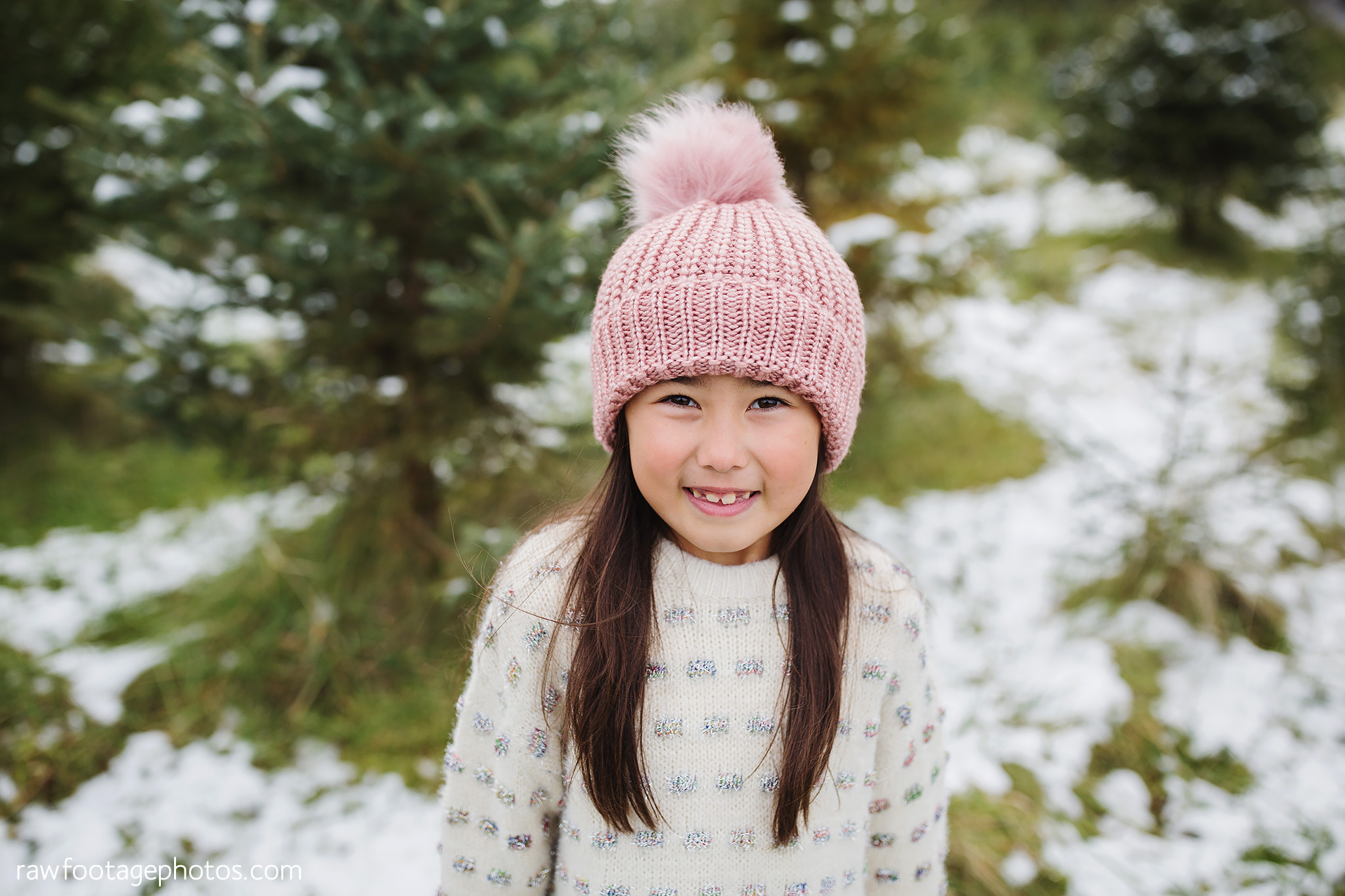london_ontario_family_photographer-raw_footage_photography-tree_farm_minis-christmas_sessions-winter0005.jpg